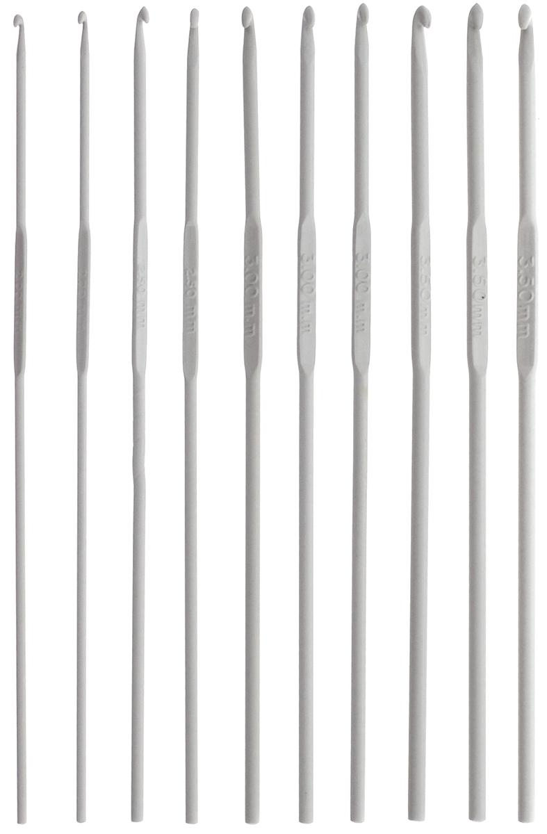 Набор крючков для вязания Pony, металлические, длина 15 см, 10 предметов45220Каждый крючок из набора Pony выполнен из высококачественного алюминия. Изделие предназначено для вязания и плетения из ниток, ручного изготовления полотна. Идеально гладкая головка и стержень крючка обеспечивают равномерное скольжение петель. Вязание крючком применяют как для изготовления одежды целиком, так и отделочных элементов одежды или украшений. Вы сможете вязать для себя и делать подарки друзьям. Рукоделие всегда считалось изысканным, благородным делом. Работа, сделанная своими руками, долго будет радовать вас и ваших близких. Подарок, выполненный собственноручно, станет самым ценным для друзей и знакомых. Длина каждого крючка: 15 см. Диаметры крючков: 2 мм (2 шт), 2,5 мм (2 шт), 3 мм (3 шт), 3,5 мм (3 шт).