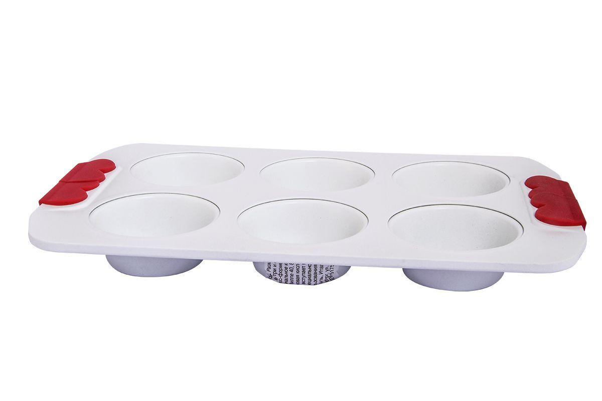 Форма для 6 маффинов Pomi d'Oro Roma, с керамическим покрытием, 31 см77.858@21208 / Q3106 RomaФорма для 6 маффинов Pomi dOro, модель Q3106, коллекция Roma. Размер 31 см, белое суперпрочное и износостойкое керамическое покрытие Kerano™ внутри и снаружи. Ручки c красными силиконовыми вставками. Штамп по специальной пресс-форме с толщиной боковых стенок - 2-3 мм, верхний кант завальцован.