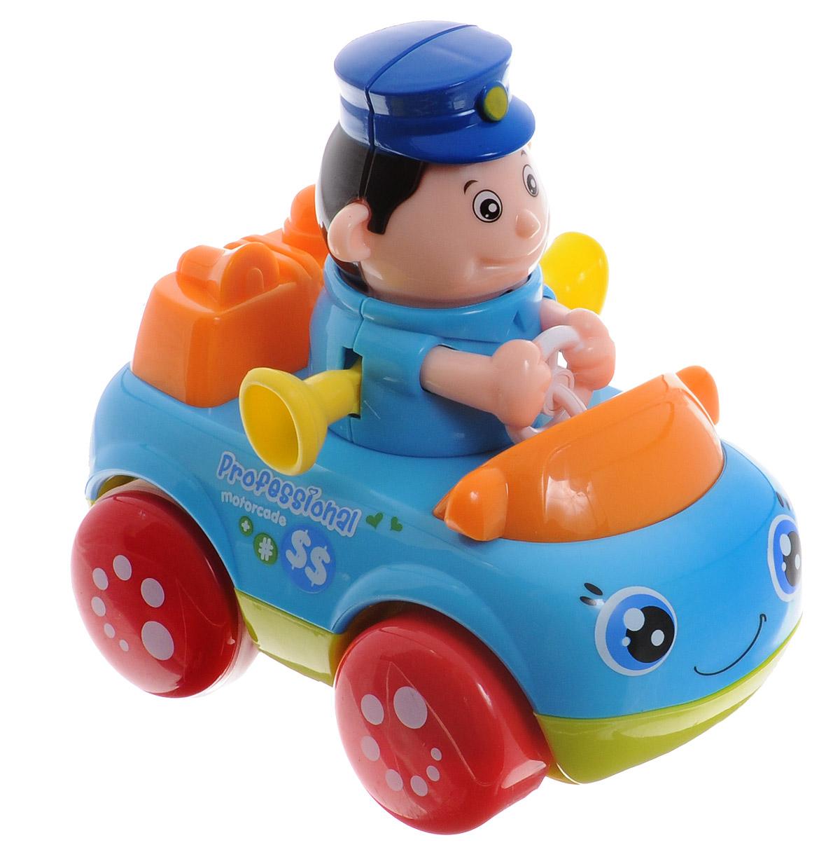 Huile Toys Машинка инерционная Полицейский356С_полицияЯркая инерционная машинка Huile Toys Полицейский привлечет внимание вашего малыша и не позволит ему скучать! Выполненная из безопасного пластика с элементами из металла, игрушка представляет собой забавную машинку с водителем в виде полицейского. Округлые, без острых углов, формы гарантируют безопасность даже самым маленьким. Игрушка оснащена инерционным механизмом. Для запуска установите игрушку на ровную поверхность, подтолкните вперед и отпустите, игрушка продолжит движение. Во время движения фигурка забавно качает головой. Игрушка поможет ребенку в развитии воображения, мелкой моторики рук и цветового восприятия.