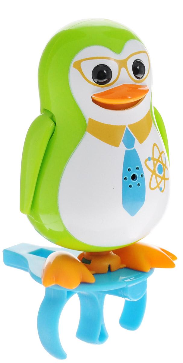 DigiFriends Интерактивная игрушка Пингвин с кольцом цвет зеленый88333_галстукУ вас есть шанс получить уникального домашнего питомца - поющего пингвина. Не каждый может похвастаться этим. Эта интерактивная игрушка будет развлекать вас различными мелодиями, пением и ритмичными движениями. Для активизации пингвина необходимо подуть на него. Чтобы активировать режим проигрывания мелодий достаточно посвистеть в свисток, который имеется в комплекте. Игрушка издает 55 вариантов мелодий и звуков. Кольцо-свисток может служить как переносной насест для пингвина. Ребенок может надеть кольцо на два пальца, закрепить там игрушку и свободно играть. Пингвин устойчив на любой ровной поверхности. Игрушка может качаться, крутиться, махать крыльями и шевелить клювом в такт мелодии. Игрушка работает в двух режимах: соло и хор. Можно синхронизировать неограниченное количество пингвинов или других персонажей DigiFriends. Главным в хоре становится персонаж, которого первого включили. Такая игрушка станет незабываемым подарком для любого ребенка. Малыш будет с...