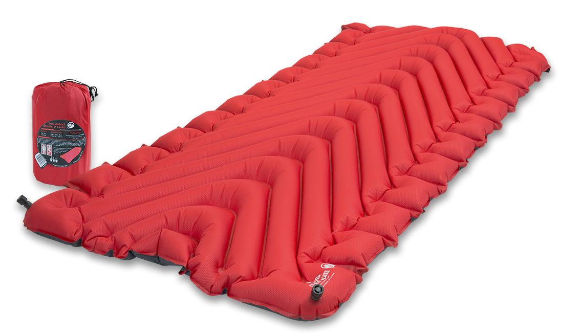 Надувной коврик Klymit Insulated Static V Luxe pad Red, цвет: красный06LIRd01DКомпактный и легкий туристический коврик увеличенного размера для полных людей с силиконовым наполнителем Klymalite . Плюшевая поверхность создает ощущение отдыха на домашней кровати. Для путешествий в экстремальных погодных условиях. Технология body mapping (V- анатомическая поддержка за счет учета ключевых точек давления тела на коврик). Динамические боковые направляющие. - Материал – полиэстер 75D, синтетический утеплитель Klymalite - Надувается за 20-30 выдохов - Коэффициент теплоизоляции – 4.4 (до - 25°С); 4 сезона - Размер - 193 см x 76.2 см x 7.6 см; в сложенном виде - 13.9 см x 25.4 см\ - Вес – 992 гр. - В комплекте – коврик, набор для ремонта (патч и клей), чехол - Цвет - Красный