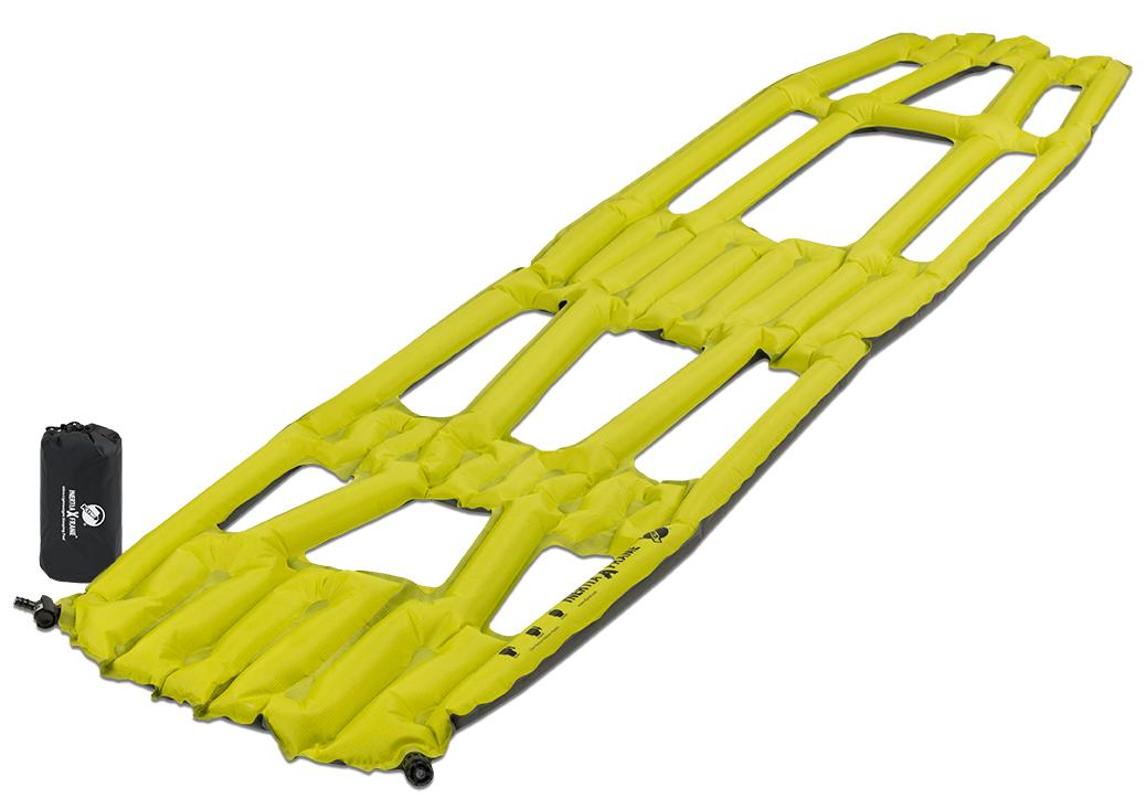 Надувной коврик Klymit Inertia X Frame pad Chartuesse Yellow, цвет: желтый06IXRd01AТехнология loft pocket (сохранение тепла и улучшенная воздухопроницаемость за счет уменьшения размера и пустот) Технология body mapping (комфорт и поддержка ключевых точек давления на коврик) - Материал – полиэстер 75D –низ; 30 D- верх - Надувается за 3- 5 выдохов - Размер – 182.8 см x 45.7.см x 3.81 см; в сложенном виде - 7.62 см x 15.2 см - Вес – 258 гр. - В комплекте – коврик, насос, набор для ремонта (патч и клей), чехол - Цвет - Желтый