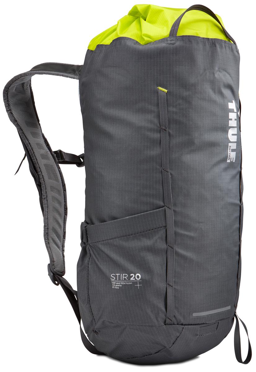 Рюкзак Thule Stir 20L Hiking Pack - Dark Shadow, цвет: темно-серый, 20л211500Рюкзак для пеших путешествий Thule Stir 20 л - Универсальный рюкзак с легкодоступными карманами и идеальными для поездок или передвижения по городу отделениями. Легкодоступная крышка с защитным откидным клапаном Съемный нагрудный ремень и поясной ремень, который можно спрятать за задней панелью при передвижении по городу Эластичный карман на плечевом ремне для хранения телефона и других небольших предметов Точка крепления петли для фонаря и светоотражающий материал Внутренний сетчатый карман для удобного хранения Передний карман Shove-it Pocket для быстрого доступа Воздухопроницаемые задняя панель и наплечные ремни обеспечивают вентиляцию Конструкция, предназначенная для хранения воды, включает карман для емкости с водой, отверстие для трубки и два боковых кармана для бутылок с водой (бутылки продаются отдельно)