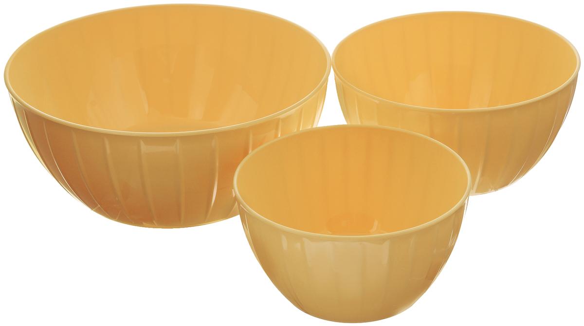 Набор мисок Tescoma Delicia, цвет: желтый, 3 шт630364_желтыйМиски Tescoma Delicia изготовлены из высококачественного пластика и имеют круглую форму. Такая миска прекрасно подойдет для замешивания теста. Также в ней можно хранить овощи и фрукты, сервировать салаты и другие продукты. Объем мисок: 1,5 л, 2,5 л, 5 л. Диаметр (по верхнему краю): 28 см, 22 см, 18 см. Высота мисок: 11,5 см, 10,5 см, 9,5 см. Подходит для использования в микроволновой печи. Можно мыть в посудомоечной машине.
