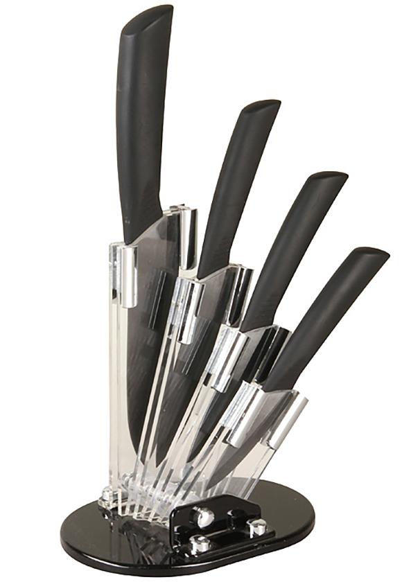 Набор ножей Pomi d'Oro SET8 Affilato Nero, на подставке, 8, 10, 12, 15 см, цвет: черный77.858@19715 / SET8 Affilato NeroНожи керамические Pomi d'Oro в наборе на подставке, SET8 Affilato Nero изготовлен из черной керамики Kerano, длина лезвий - 8, 10, 12, 15 см, толщина 2 мм. Черная обрезиненная ручка. Kerano - униальный керамический нано-материал производства Kerano Produzione SPA, который не содержит вредные примеси, в т.ч. перфоктановую кислоту (PTFE) и примеси, используемые для легированной стали. Химически нейтрален, не вступает в химическую реакцию с пищей во время готовки.