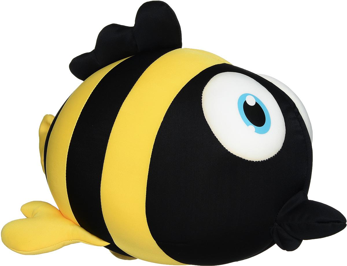 Maxi Toys Мягкая игрушка-антистресс Рыбка Пучеглазка 34 смMT-J121184_черный, желтыйМягкая игрушка-антистресс Maxi Toys Рыбка Пучеглазка порадует вас своим эффектным дизайном и необычной формой. Она очень удобная и позволит полностью расслабиться. Игрушка выполнена в виде рыбки с большими глазами. Главное достоинство игрушки - это осязательный массаж, приятный, полезный и антидепрессивный. Она наполнена мелкими гранулами полистирола, а чехол изготовлен из мягкого, приятного на ощупь материала. Мягкая игрушка- антистресс Maxi Toys Рыбка Пучеглазка - это идеальный подарок для любимого человека.