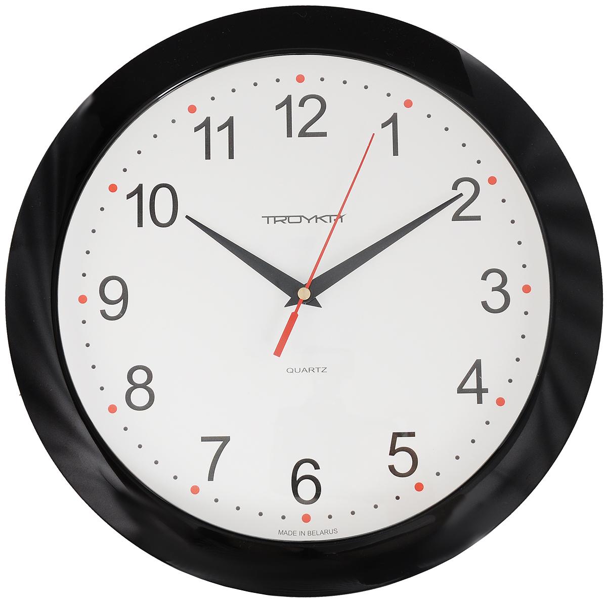 Часы настенные Troyka, цвет: черный. 1110011211100112_черныйНастенные кварцевые часы Troyka в классическом дизайне, изготовленные из пластика, прекрасно впишутся в интерьер вашего дома. Круглые часы имеют три стрелки: часовую, минутную и секундную, циферблат защищен прозрачным пластиком. Часы работают от 1 батарейки типа АА напряжением 1,5 В. Внимание! Часы укомплектованы бесплатным тестовым элементом питания для обеспечения их работоспособности при предпродажной подготовке и демонстрации рабочих функций. Диаметр часов: 29 см.