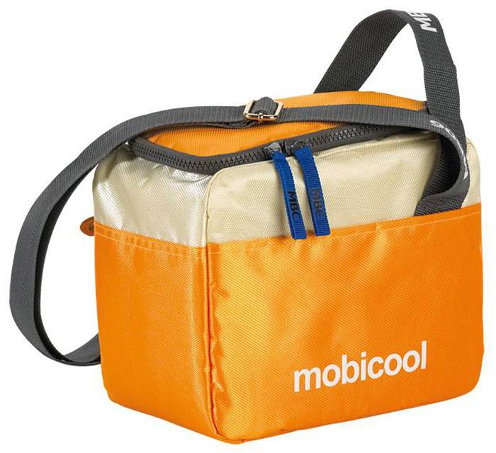 MOBICOOL Sail 6, Orange термосумкаSail 6_orangeТермосумка MOBICOOL Sail 6 сохранит ваши продукты свежими как в городе, так и на природе. Она идеальна для хранения ланчей и других небольших по размеру продуктов. Сумка имеет внешние карманы для различных мелочей и аксессуаров, а также регулируемый по длине плечевой ремень. Боковая ручка Боковой карман Молния по периметру