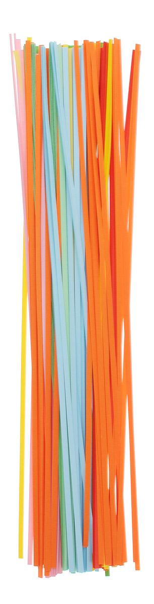 Апплика Бумага для квиллинга ширина 3 мм 8 цветов 320 штС1874-01Бумага для квиллинга Апплика - это порезанные специальным образом полоски бумаги определенной плотности. Такая бумага пластична, не расслаивается, легко и равномерно закручивается в спираль, благодаря чему готовым спиралям легче придать форму. В упаковке 320 полосок бумаги 8 различных цветов. Квиллинг (бумагокручение) - техника изготовления плоских или объемных композиций из скрученных в спиральки длинных и узких полосок бумаги. Из бумажных спиралей создаются необычные цветы и красивые витиеватые узоры, которые в дальнейшем можно использовать для украшения открыток, альбомов, подарочных упаковок, рамок для фотографий и даже для создания оригинальных бижутерий. Это простой и очень красивый вид рукоделия, не требующий больших затрат.