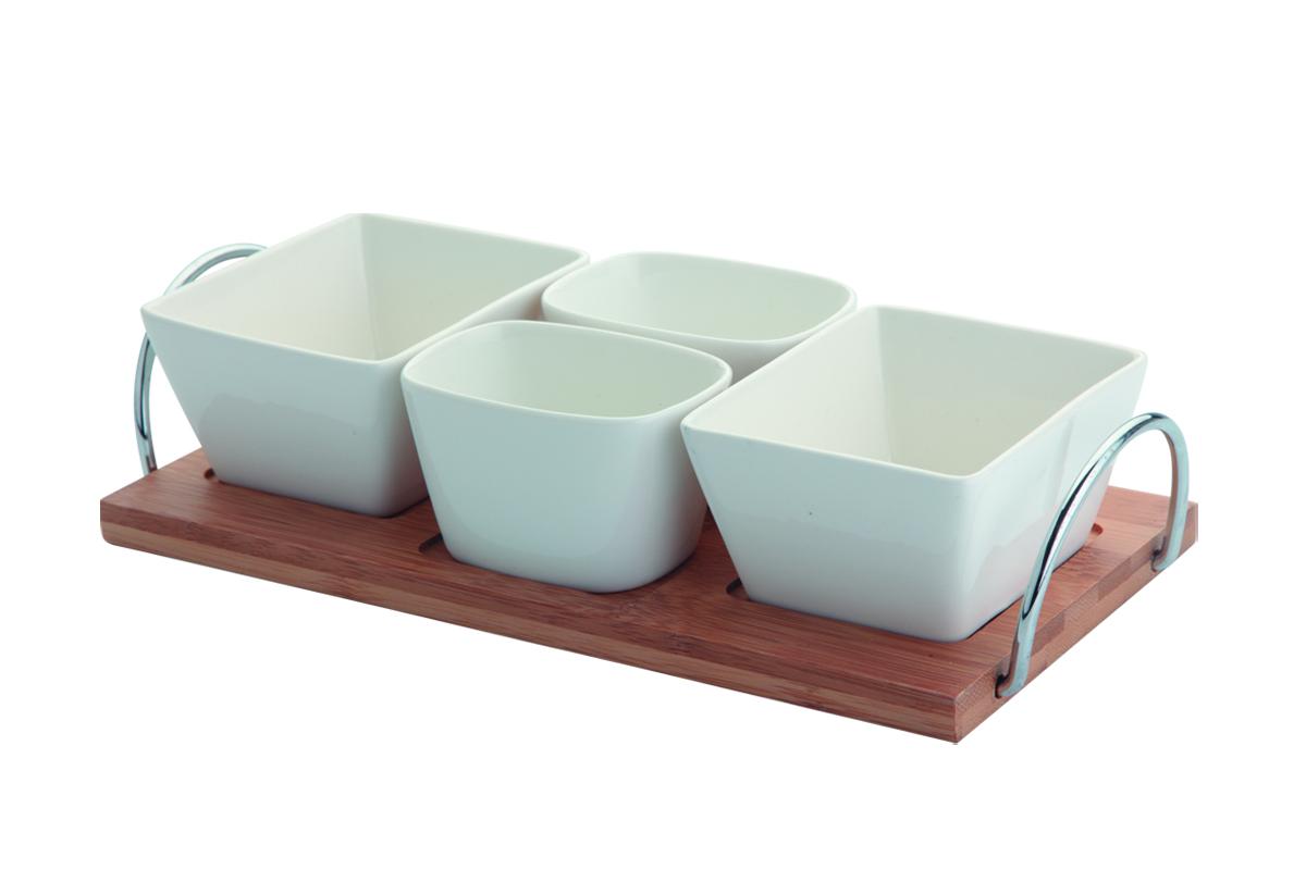 Набор менажниц Augustin Welz, 5 предметовAW-2253В набор входят: 2 пиалы по 135мл, 2 пиалы по 75мл и сервировочный поднос из бамбука с металлическими ручками. Прекрасно подходит для сервировки закусок на столе для встречи гостей.