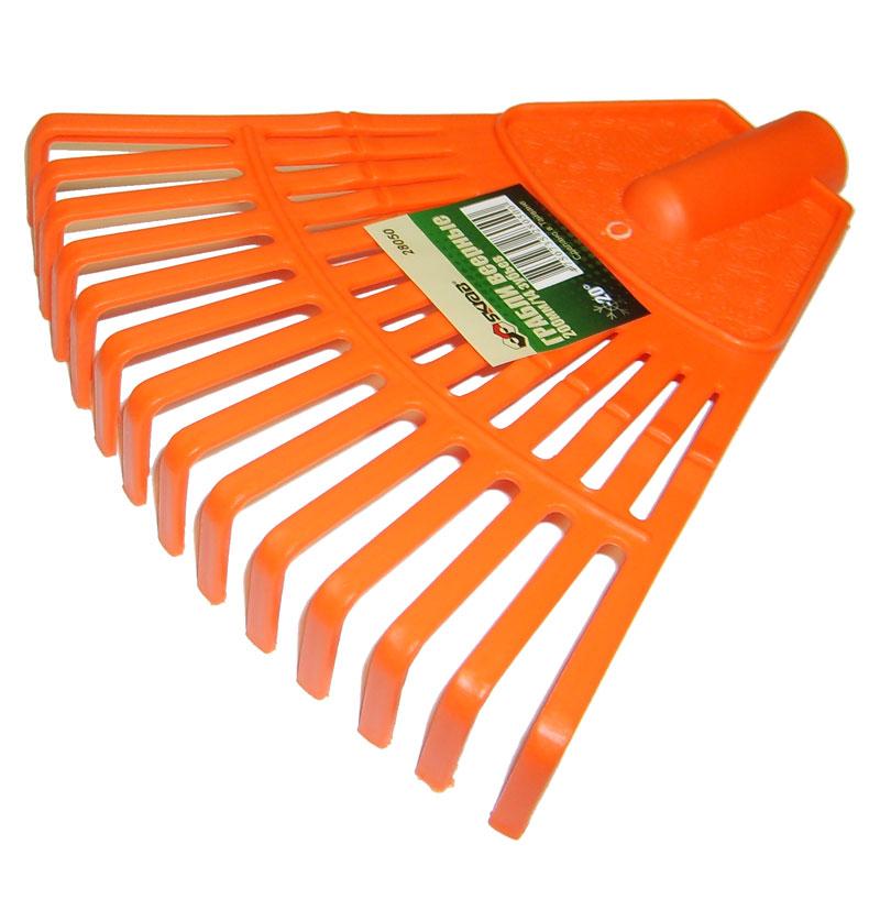Грабли веерные Skrab, 200ммх14зуб. 2805028050Грабли веерные пластиковые 200 мм, 14 зубьев. Грабли для газонов SKRAB идеально подходят для уборки листьев, срезанной травы и прочего садового мусора. Высококачественный пластик, из которого изготовлены грабли, гарантируют надежность и долговечность их эксплуатации, выдерживает хранение даже при минусовой температуре. На рабочей поверхности расположены прочные пластиковые зубья, что значительно облегчает процесс уборки, не нанося вреда газону.