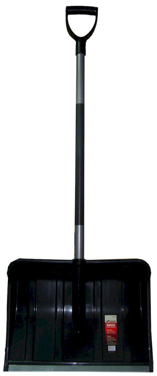 Лопата Skrab снеговая. 2809128091Лопата снеговая, пластиковая с оцинкованной планкой и Y-образной ручкой Длина 1300 мм. Диаметр черенка 30,5 мм. Совок лопаты 485х360 мм. Лопата сделана из высококачественных материалов, обеспечивающих ее надежность в эксплуатации. Черенок - металлическая труба со стекловолоконным наполнителем, который придает прочность ручке. Совок изготовлен из морозостойкого пластика и алюминия. Алюминиевая планка и специальная конструкция ребер жесткости способствуют увеличению прочности ковша. Лопата поставляется в разобранном виде. Для сборки достаточно вставить черенок в тулейку ковша, совместив пазы. Для соединения ковша и черенка используется быстросборное соединение, которое исключает применение саморезов и прочих крепежных изделий, что позволяет собрать лопату в полевых условиях за считанные секунды.