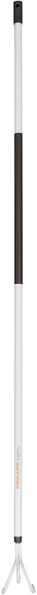 Культиватор облегченный Fiskars Light, 164 см1019611Облегченный культиватор Fiskars Light предназначен для удаления сорняков и рыхления почвы на грядке или под растениями. Острые зубья, выполненные из закаленной стали, легко проникают в почву. Алюминиевый черенок станет удобным подспорьем в работе для женщин. Пластиковое покрытие на черенке обеспечивает хорошую теплоизоляцию. На ручке расположено специальное отверстие для удобства хранения. Длина культиватора: 164 см. Количество зубьев: 3.