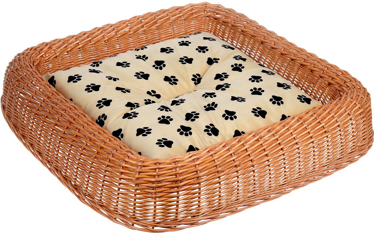 Лежанка для животных Каскад №4, плетеная, 81 х 80 х 14 см91002691Лежанка для животных Каскад №5, изготовленная из лозы ротанга, дополнена мягкой подушкой и высокими плетеными бортиками. Материал чехла подушки выполнен из мягкого и приятного на ощупь текстиля, наполнитель - полиэстер. Такая лежанка станет любым местом вашего питомца. Благодаря качественному изготовлению лежанка не повредит напольное покрытие.