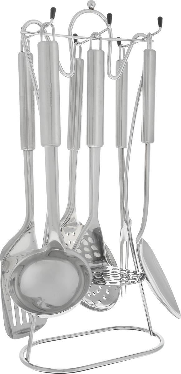 Набор кухонных принадлежностей Calve, на подставке, 7 предметов. CL-1347CL-1347Набор Calve состоит из половника, вилки для мяса, сервировочной ложки, картофелемялки, шумовки, лопатки и подставки. Изделия выполнены из высококачественной нержавеющей стали. В наборе содержатся все необходимые принадлежности для приготовления пищи. Для компактного хранения предусмотрена подставка. Изделия можно мыть в посудомоечной машине. Длина половника: 28 см. Диаметр рабочей части половника: 8,7 см. Длина шумовки: 31,5 см. Диаметр рабочей части шумовки: 11,3 см. Длина картофелемялки: 27,5 см. Размер рабочей части картофелемялки: 8,5 х 8,5 см. Длина лопатки: 34 см. Размер рабочей части лопатки: 10 х 8,5 см. Длина сервировочной ложки: 34 см. Размер рабочей части сервировочной ложки: 10 х 7 см. Длина вилки для мяса: 32 см. Размер рабочей части вилки для мяса: 9 х 3,5 см. Размер подставки: 18 х 10 х 40,5 см.