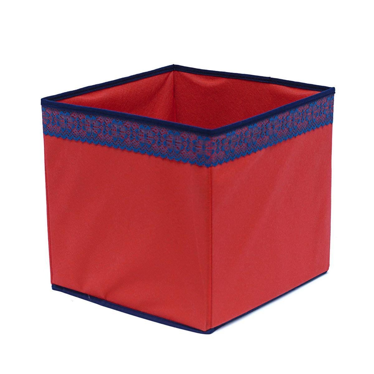 Кофр для хранения Homsu Rosso, 27 х 27 х 27 смHOM-325Кофр для хранения Homsu Rosso изготовлен из высококачественного нетканого полотна и декорирован вставкой из кружева. Кофр имеет одно большое отделение, где вы можете хранить различные бытовые вещи, нижнее белье, одежду и многое другое. Вставки из картона обеспечивают прочность конструкции. Стильный принт, модный цвет и качество исполнения сделают такой кофр незаменимым для хранения ваших вещей.