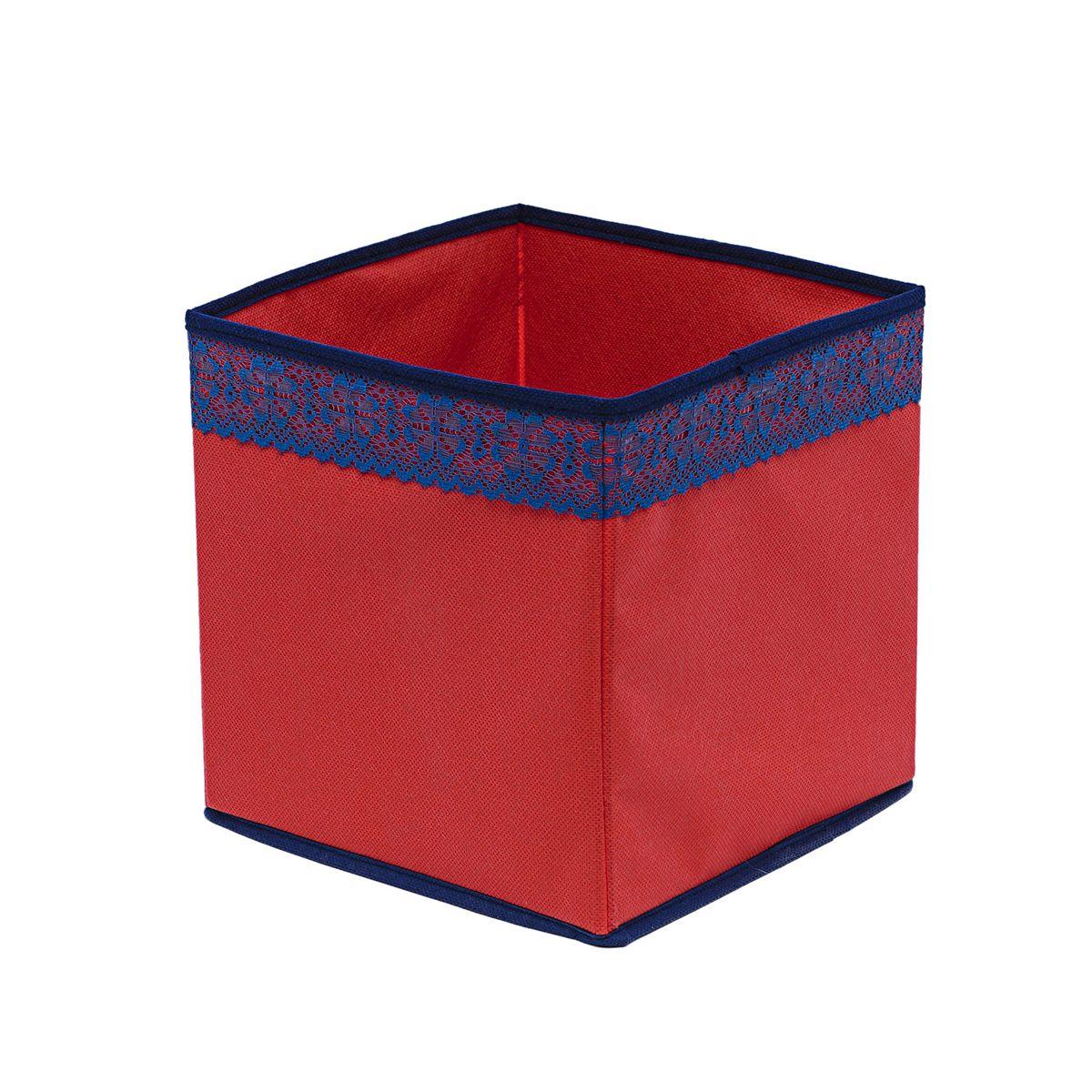 Кофр для хранения Homsu Rosso, 22 х 22 х 22 смHOM-326Кофр для хранения Homsu Rosso изготовлен из высококачественного нетканого полотна и декорирован вставкой из кружева. Кофр имеет одно большое отделение, где вы можете хранить различные бытовые вещи, нижнее белье, одежду и многое другое. Вставки из картона обеспечивают прочность конструкции. Стильный принт, модный цвет и качество исполнения сделают такой кофр незаменимым для хранения ваших вещей.