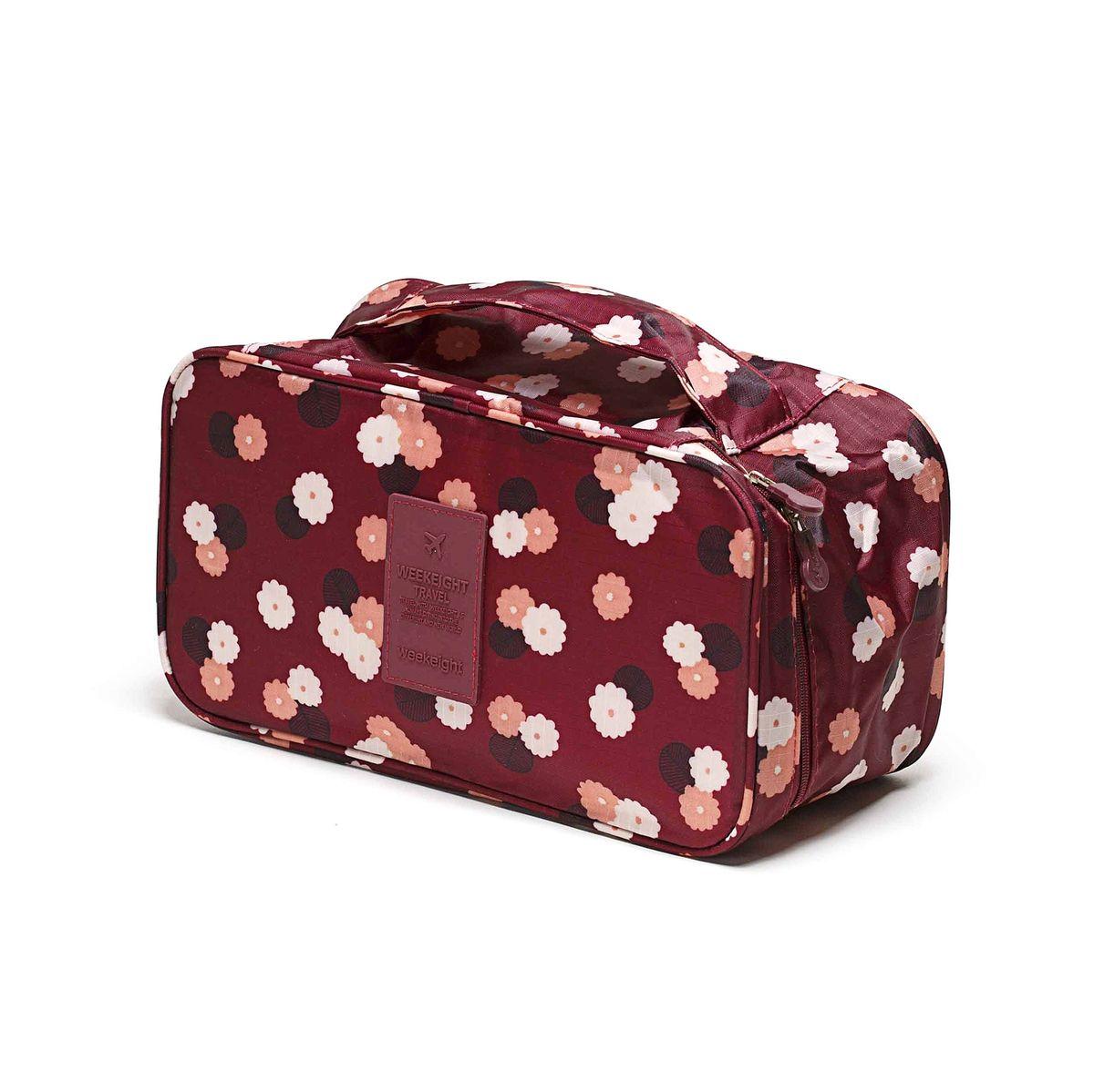 Косметичка-органайзер Homsu Цветок, цвет: бордовый, белый, розовый, 28 x 13 x 15 смHOM-356Косметичка-органайзер Homsu Цветок выполнена из высококачественного полиэстера. Закрывается изделие на застежку-молнию. Внутри имеется 4 отделения для мелочей, а также дополнительная сумочка размером 22 х 14 см, которая крепится к косметичке посредством липучки и надежно защищает ваши вещи за счет удобной молнии. Теперь вы сможете всегда брать с собой все, что вам может понадобиться. Сверху органайзера имеется ручка для удобной переноски. Косметичка-органайзер Homsu Цветок станет незаменимым аксессуаром для любой девушки. Размер косметички: 28 х 13 х 15 см. Размер сумочки: 22 х 14 см.