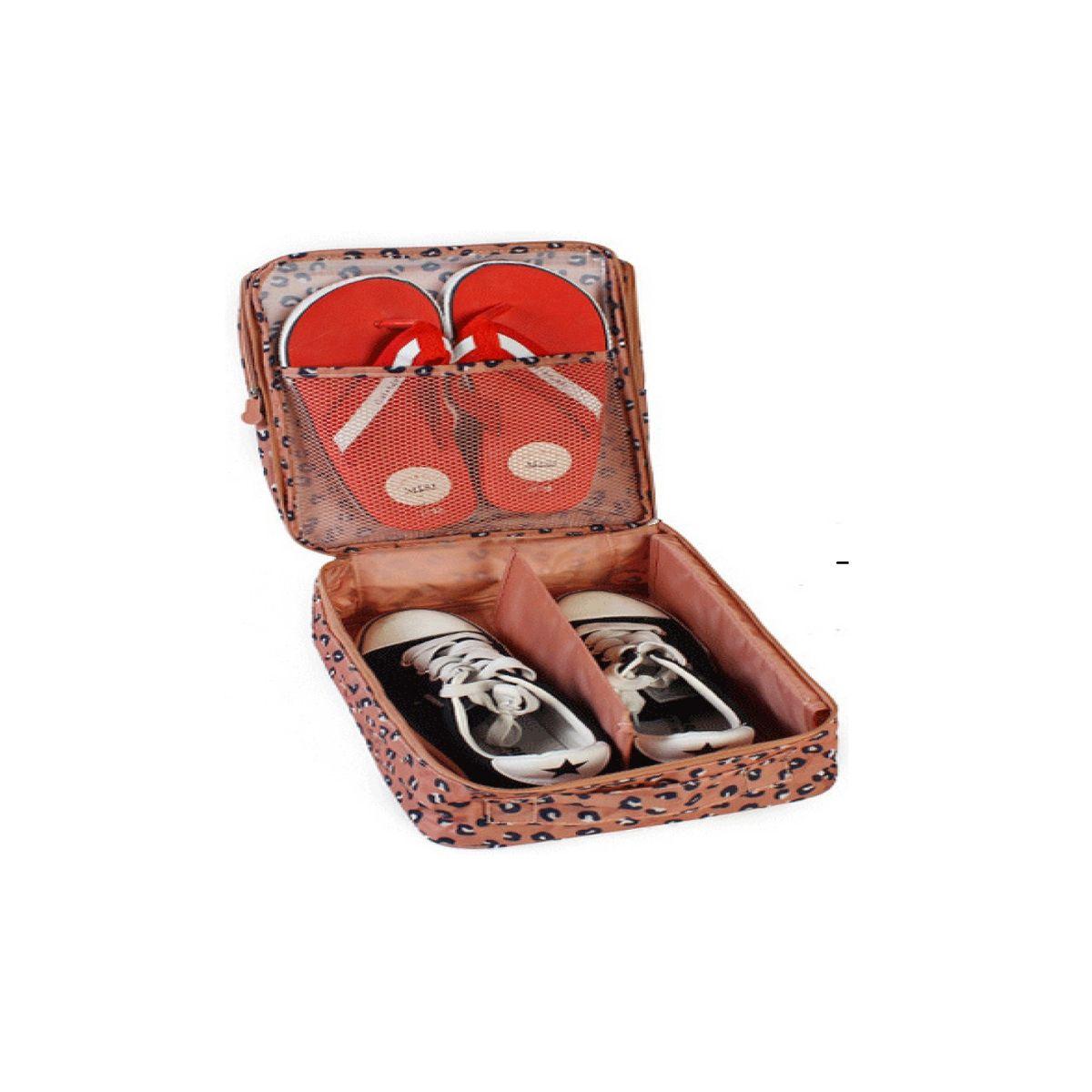 Органайзер для обуви Homsu Леопард, 32 x 20 x 13 смHOM-412Органайзер для обуви Homsu Леопард изготовлен из 100% полиэстера. Экономичная замена пластиковым пакетам и громоздким коробкам. Органайзер закрывается на молнию. Имеется ручка для удобной переноски. Внутри органайзер разделен на 2 отделения для обуви с дополнительным сетчатым кармашком. Очень компактный и очень удобный, такой органайзер поможет вам хранить обувь в чистоте и порядке. Размер: 32 х 20 х 13 см.