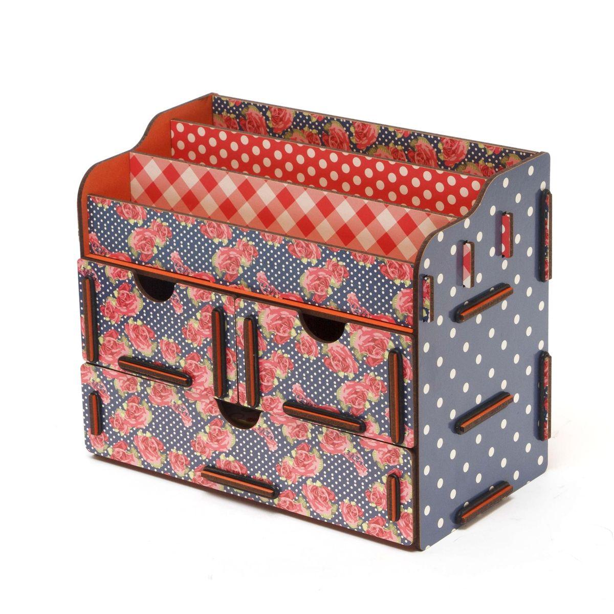 Органайзер для косметики и украшений Homsu Розы, 24 x 14 x 19 смHOM-64Органайзер для ко сметики и украшений благодаря двум маленьким ящикам размером 11 см на 14,5 см и одному большому ящику размером 22 см на 14,5 см позволяет разместить все самое необходимое для женщины и всегда иметь это под рукой. Этот оригинальный сундучок имеет также 3 полочки сверху для хранения ко сметики, парфюмерии и аксессуаров, его можно поставить на столе, он станет отличным дополнением интерьера.Фактический цвет может отличаться от заявленного.