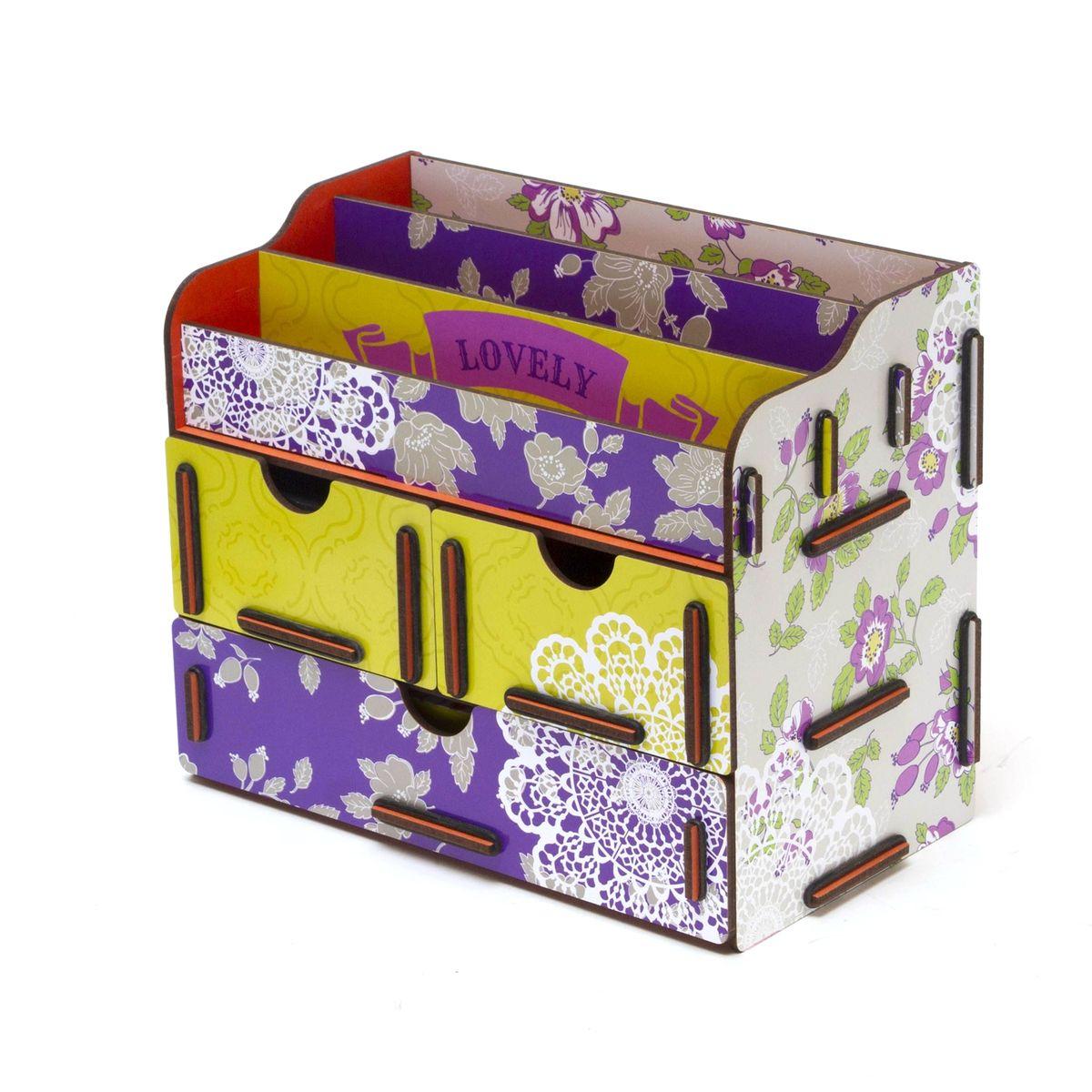 Органайзер для косметики и украшений Homsu Love, 24 x 14 x 19 смHOM-66Органайзер для ко сметики и украшений благодаря двум маленьким ящикам размером 11 см на 14,5 см и одному большому ящику размером 22 см на 14,5 см позволяет разместить все самое необходимое для женщины и всегда иметь это под рукой. Этот оригинальный сундучок имеет также 3 полочки сверху для хранения ко сметики, парфюмерии и аксессуаров, его можно поставить на столе, он станет отличным дополнением интерьера.Фактический цвет может отличаться от заявленного.