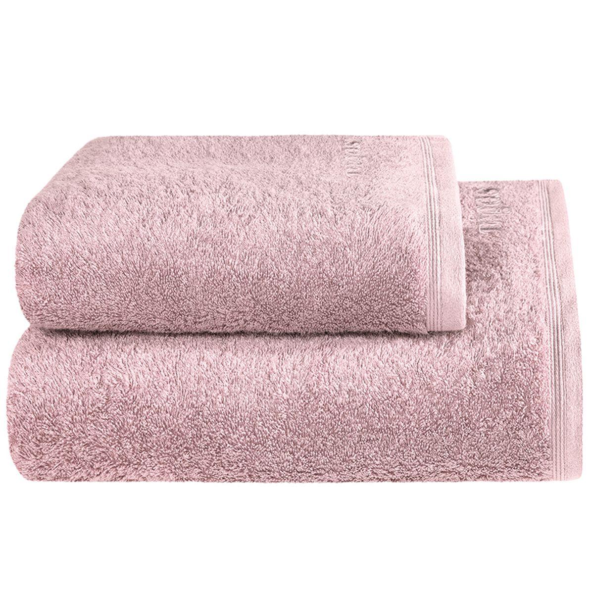 Полотенце Togas Пуатье, цвет: розовый, 70 х 140 см10.00.01.1046Полотенце Togas Пуатье невероятно гармонично сочетает в себе лучшие качества современного махрового текстиля. Безупречные по качеству, экологичное полотенце из 70% хлопка и 30% модала идеально заботится о вашей коже, особенно после душа, когда вы расслаблены и особо уязвимы. Деликатный дизайн полотенца Togas «Пуатье» - воплощение изысканной простоты, где на первый план выходит качество материала. Невероятно мягкое волокно модал, превосходящее по своим свойствам даже хлопок, позволяет улучшить впитывающие качества полотенца и делает его удивительно мягким. Модал - это 100% натуральное, экологически чистое целлюлозное волокно. Оно производится без применения каких-либо химических примесей, поэтому абсолютно гипоаллергенно. Полотенце Togas Пуатье, обладающее идеальными качествами, будет поднимать вам настроение.