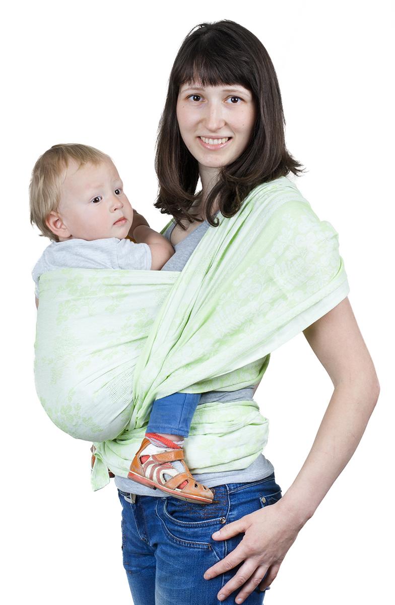 Чудо-Чадо Слинг-шарф Герба цвет зеленьСШЛ01-002Специальное плетение Ткань, из которой сшиты слинг-шарфы Герба, имеет диагональное жаккардовое плетение. Это идеальная ткань для шарфов. Она не растягивается и не провисает. Слинг из такой ткани хорошо распределяет нагрузку на спину взрослого, отлично облегает, обеспечивает безопасную поддержку для позвоночника малыша. Двусторонний Жаккардовая ткань не имеет изнанки, один и тот же узор выступает с обеих сторон, меняется только сочетание цветов, так что Вам не надо ломать голову в поисках лицевой стороны. А благодаря особенностям жаккардового плетения он замечательно вентилируется. Мягкий сразу из коробки Мы выбрали эту ткань еще и потому, что она не требует разнашивания и многочисленных стирок. Слинг Герба мягкий сразу из коробки и поэтому отлично подходит для новорожденных. Сочетание преимуществ льна и хлопка Слинг-шарфы Герба на 30% состоят из льна и на 70% - из хлопка. Они сочетают в себе преимущества обоих видов тканей. Лен...