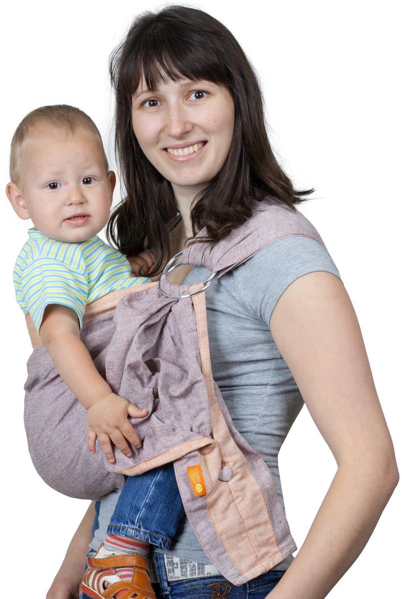 Чудо-Чадо Слинг с кольцами Дуэт цвет сепия Размер M (48-54)СКД02-00MПозволяет носить малыша с рождения и до полутора-двух лет. Специально подобранные материалы Преимущества: Легкая, натуральная, дышащая ткань (лен 100%) Плотно облегает малыша и за счет бандажного эффекта снимает нагрузку с неокрепшего позвоночника Отсутствие синтепоновых бортиков исключает ошибки при выборе размера Бортики уплотнены для более комфортной носки и регулировки Широкое мягкое плечо со специальными складками облегает плечевой сустав и делает ношение более комфортным Особенности: Хвост слинга заделан в виде удобного вместительного кармашка на пуговке Ширина 65 см Кольца несъемные Материал: лен 100% Единоразмерный, подходит для размеров от 40го до 54го российского (разница будет только в длине оставшегося свободного хвоста).