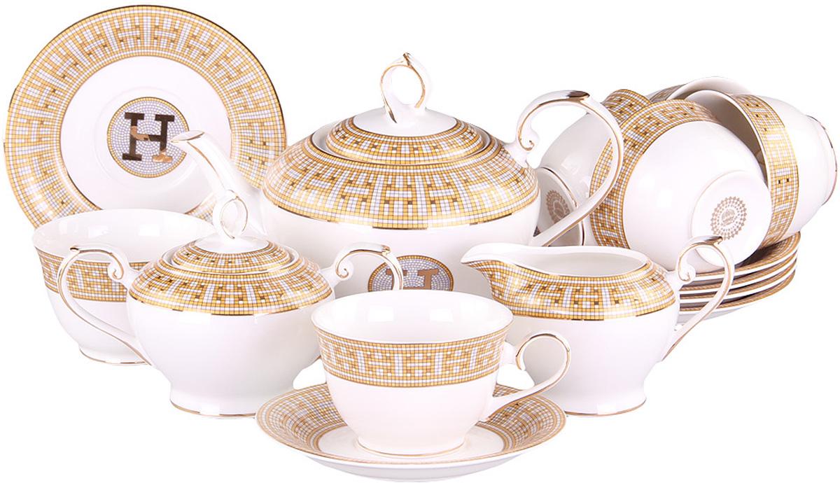 Чайный сервиз Patricia, 15 предметов. IM52-1601IM52-1601Чайный набор включает в себя 15 предметов: 6 чашек (240мл.),6 блюдец, заварочный чайник (500 мл.), молочник и сахарницу. Изделия выполнены из фарфора безупречной белизны. Все элементы украшены золотым узором в духе лакшери. Набор имеет подарочную упаковку. Внимание! Изделия нельзя использовать в посудомоечной машине.