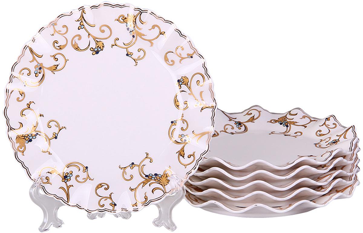 Тарелка десертная Patricia, диаметр 19 см, 6 шт. IM52-4212IM52-4212Вы любите баловать десертами не только себя, но и гостей? Набор десертных тарелок станет достойным украшением свежеприготовленного пирожного, выпечки, кусочка вашего фирменного торта или другого десерта. Благодаря безукоризненному дизайну и качеству эти тарелки прослужат вам много лет, напоминая о каждом кусочке любимого лакомства.
