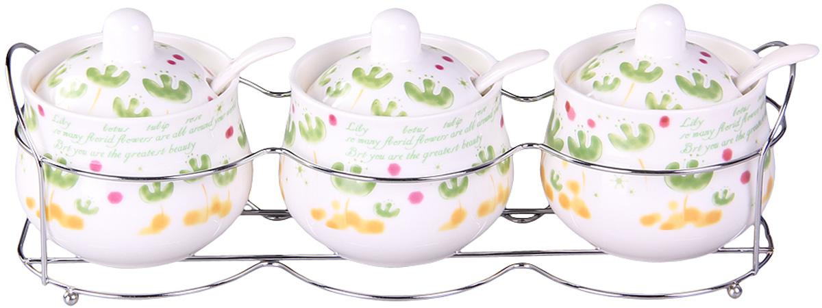 Набор банок Patricia, на подставке, 3 предмета, 200 мл. IM99-5205IM99-5205Набор банок на металлической подставке выполнены из высококачественного фарфора, включает в себя 3 банки различных размеров. Плотно закручивающая крышка на банке позволит хранить чай,кофе и многие другие сыпучие продукты. А дизайн таких банок украсит кухню любой хозяйки.
