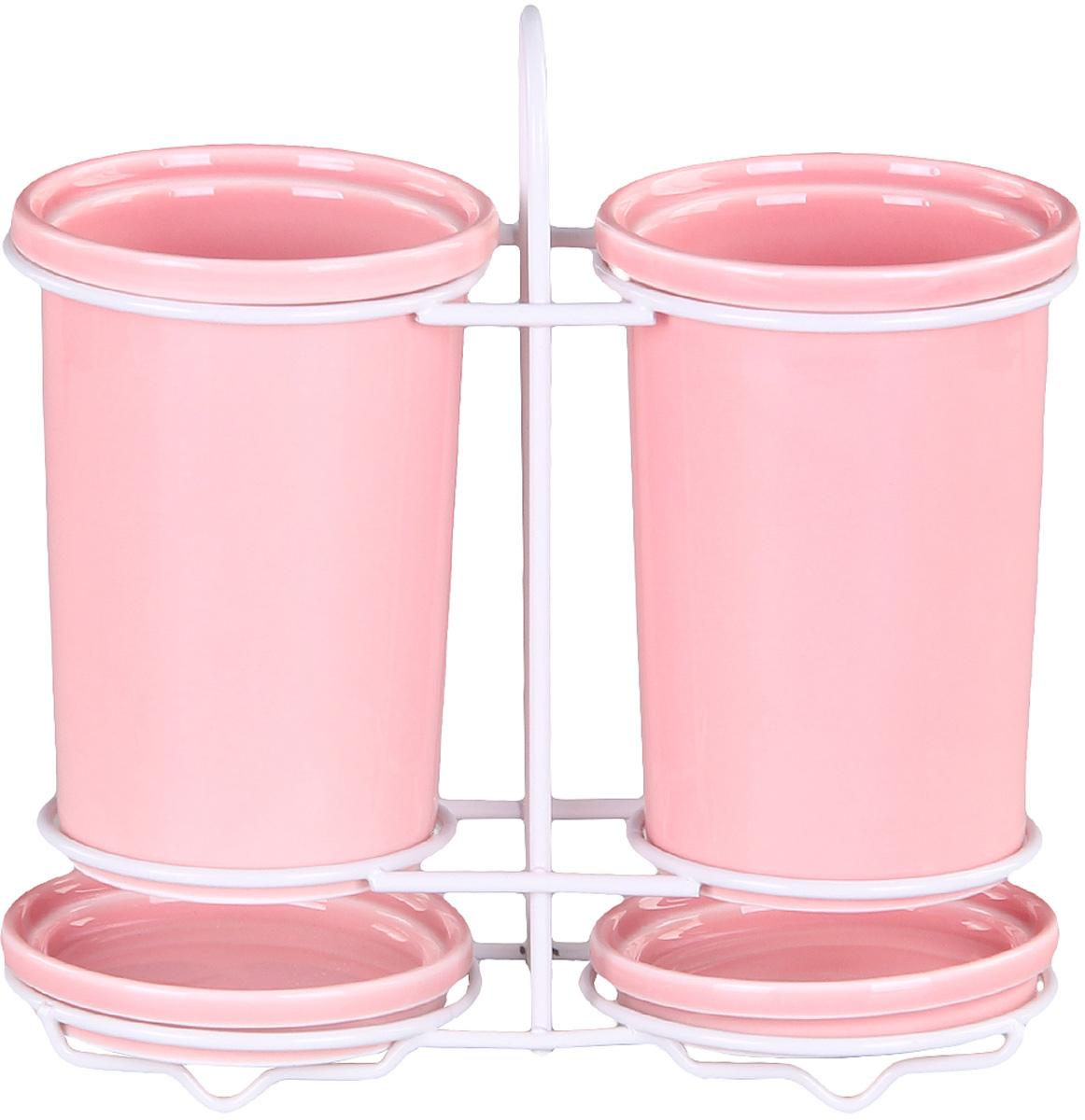 Подставка Patricia для столовых приборов. IM99-5231IM99-5231Подставка для столовых приборов и поддон выполнены из керамики, а специальный держатель из хромированной стали. Применение в производстве специальных эмалей позволяет керамике, используемой в этом изделии, соперничать по своим эстетическим свойствам с фарфором. Поддон для сбора воды легко мыть благодаря удобной конструкции держателя.