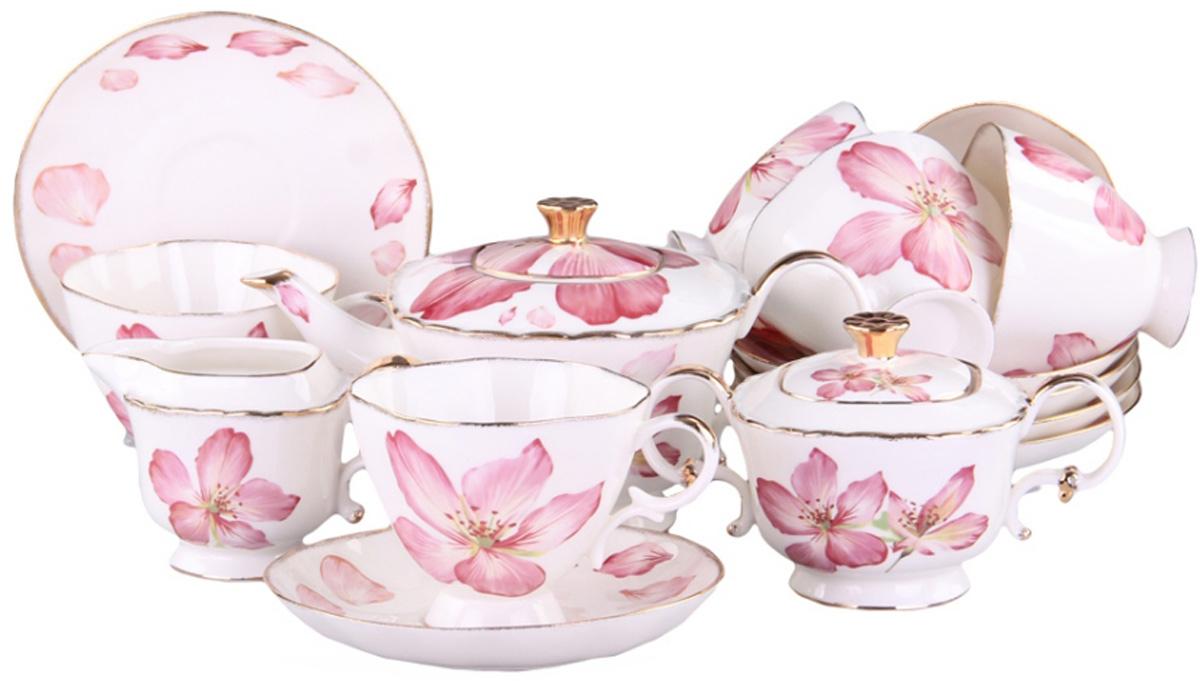Чайный сервиз Patricia, 15 предметов. IM04-0101/15IM04-0101/15Чайный набор включает в себя 15 предметов: 6 чашек, 6 блюдец, заварочный чайник (500мл.), молочник и сахарницу. Изделия выполнены из керамики безупречной белизны. Все элементы набора украшены цветочным принтом.