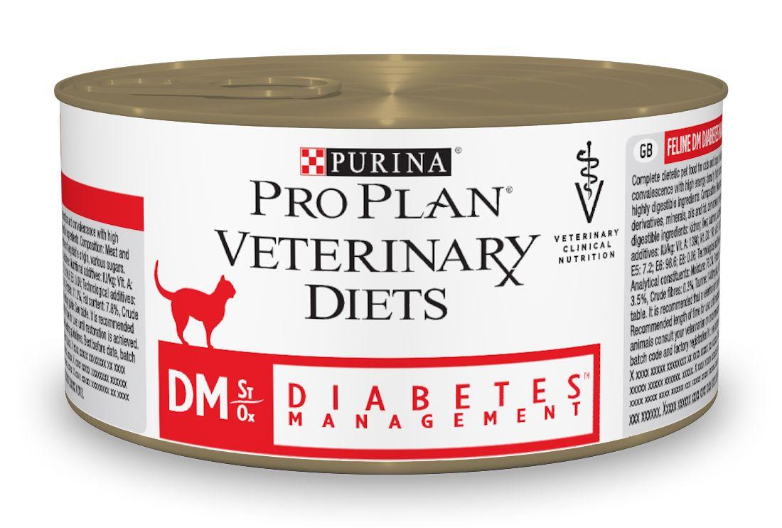 Консервы для кошек Pro Plan Veterinary Diets. DM, при диабете, 195 г12275696Purina Pro Plan Veterinary Diets DM Корм консервированный полнорационный диетический для взрослых кошек при диабете. Корм рекомендуется для регулирования потребления глюкозы (сахарный диабет), с низким содержанием быстрых углеводов. Рекомендуемая начальная продолжительность кормления: до 6 месяцев. Перед использованием и увеличением периода кормления сверх рекомендованного проконсультируйтесь с ветеринаром. Особенности: - высокий уровень белка, который снижает потребность в экзогенном инсулине для улучшения гликемического уровня, - содержит низкий уровень глюкозы для снижения пост-прандиального уровня глюкозы в крови, - повышенный уровень витамина Е для снижения окислительного стресса, связанного с диабетом, - система ST/OX для здоровья мочевой системы: разработана для минимизации риска заболеваний нижних отделов мочевыделительной системы.
