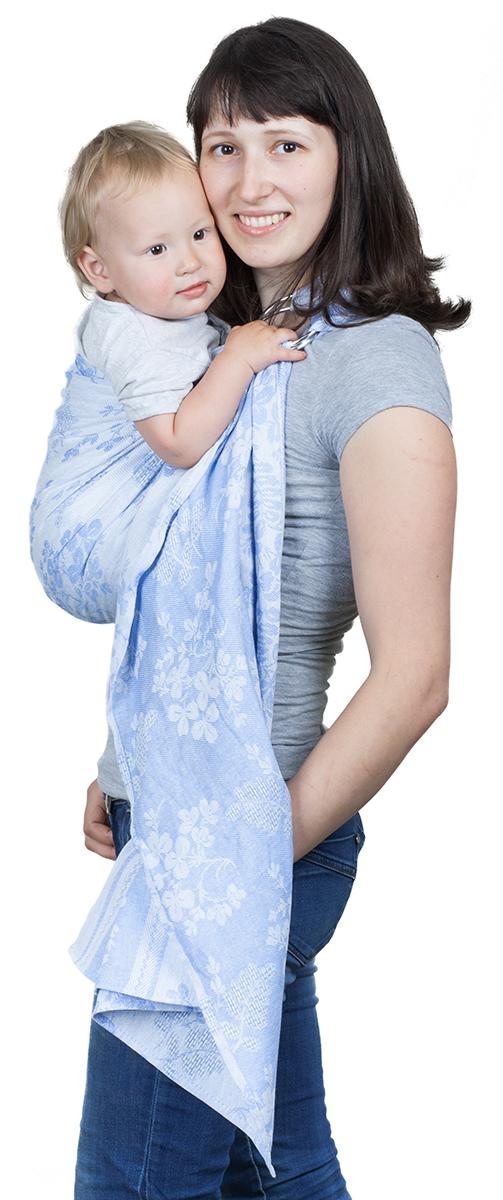 Чудо-Чадо Слинг с кольцами Герба цвет голубойСКЛ01-004Специальное плетение Ткань, использованная для производства слингов с кольцами Герба – диагонального жаккардового плетения. Это одна из лучших тканей для слинга, ее еще иногда назвают шарфовой. Диагональное плетение означает, что ткань не растягивается и не провисает. Такой слинг хорошо распределяет нагрузку на спину взрослого, отлично облегает, обеспечивает безопасную поддержку для позвоночника малыша. А благодаря особенностям жаккардового плетения слинг замечательно вентилируется. В слингах с кольцами такие ткани используют нечасто, поэтому такие модели, как Герба от Чудо-чадо особенно ценятся. Сочетание преимуществ льна и хлопка Слинги с кольцами Герба на 30% состоят из льна и на 70% - из хлопка. Они сочетают в себе преимущества обоих видов тканей. Лен обеспечивает слингам Герба износостойкость, грузовозность, улучшенную терморегуляцию (в жару в льняных слингах всегда немного прохладнее, а в холодную погоду – немного теплее), сопротивляемость...