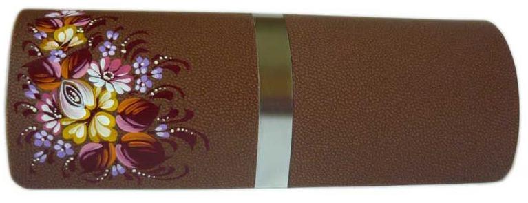 Футляр для очков Феодора Цветочная Миниатюра, цвет: коричневый. Ручная роспись. FM-1004-TMKFM-1004-TMKСтильный футляр для очков выполнен из искусственной кожи и расписан вручную акриловыми красками. Футляр закрывается на скрытый магнит. Внутренняя часть изделия оформлена мягким бархотистым материалом. Изделия расписано вручную в точности не повторяется.