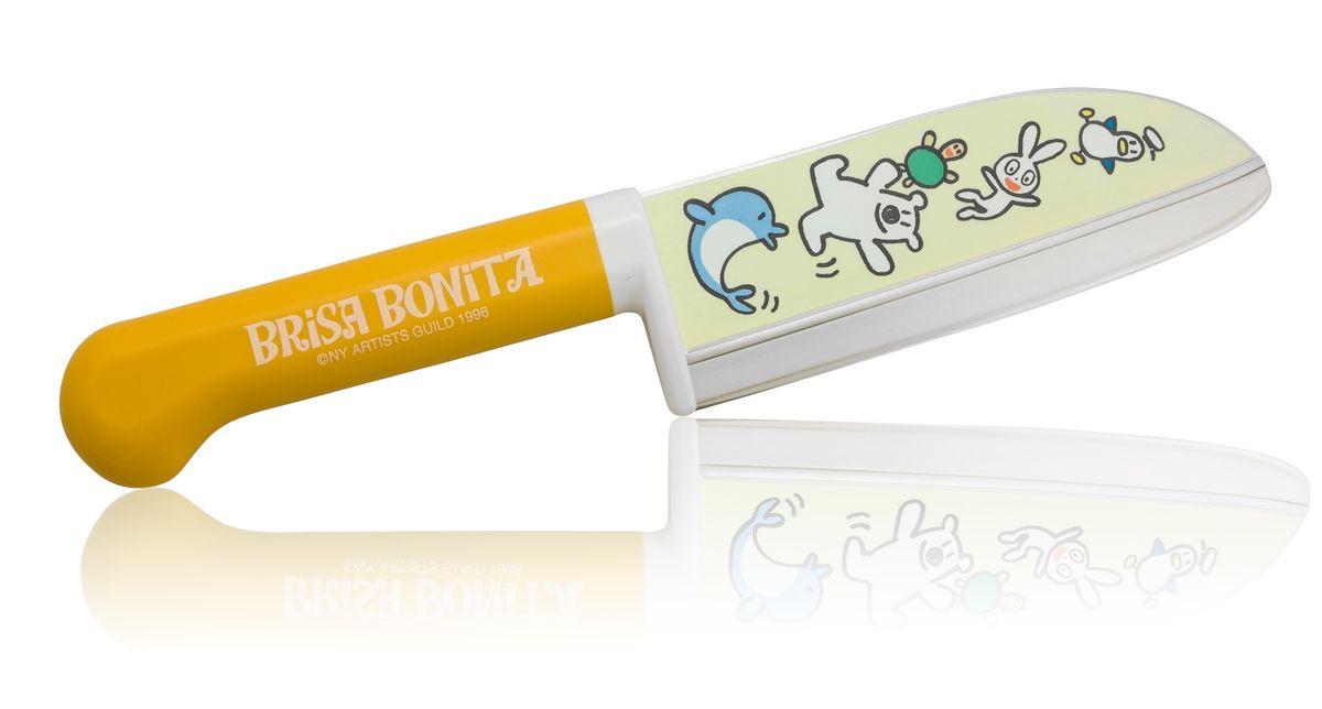 Нож сантоку Tojiro Brisa Bonita, детский, длина лезвия 11,5 см. BB-10BB-10Японская компания Tojiro представляет Brisa Bonita - специальная серия кухонных ножей для детей (9+). Эти ножи выполнены с учетом максимальной безопасности для ребенка, рукоять ножа изготовлена из высокопрочного пластика и имеет широкий упор под пальцы. Лезвие имеет закругленное острие и скрытую под упором пятку. Однако это полноценный кухонный нож и совсем не игрушка, он позволяет разрезать любые продукты с легкостью которая присуща всем ножам марки Tojiro.
