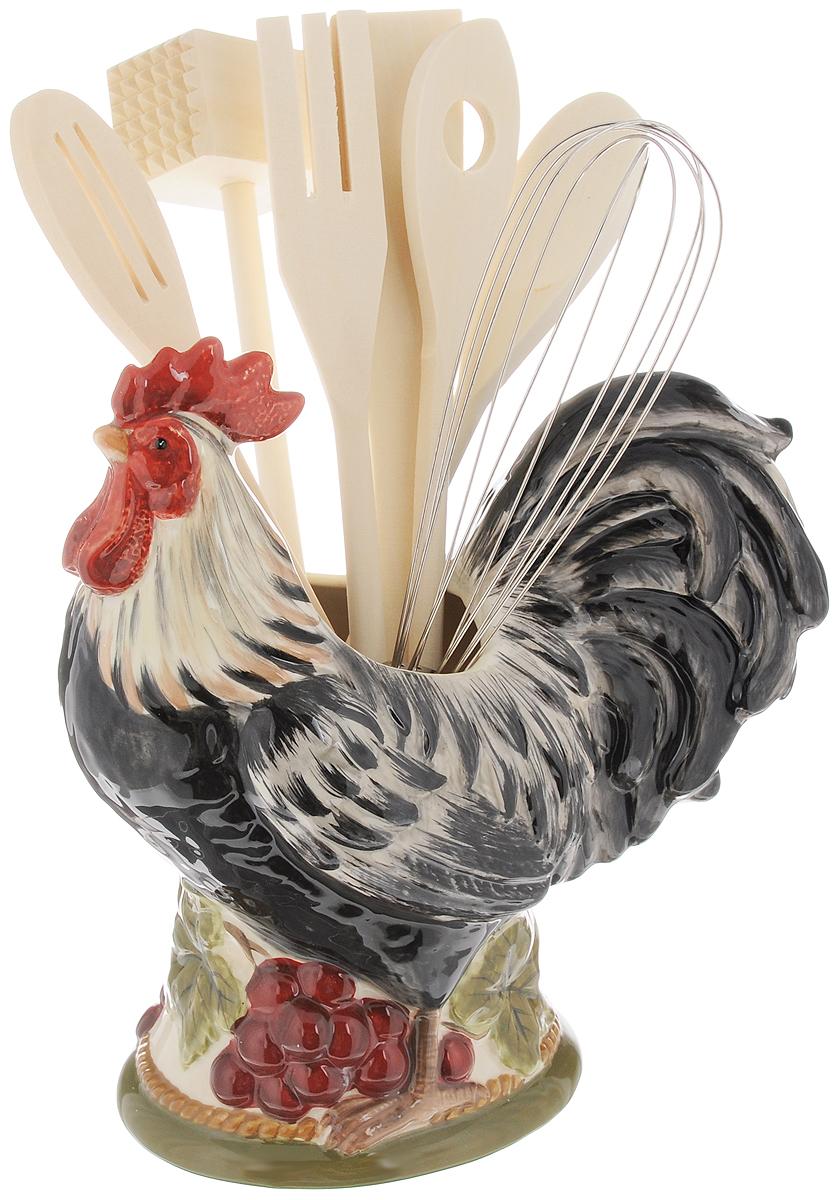 Набор кухонных принадлежностей Certified International Тосканский петух, с подставкой, 8 предметов63218Набор кухонных принадлежностей Certified International Тосканский петух включает в себя ложку, 2 ложки с отверстиями, лопатку, вилку, венчик, молоток для мяса и подставку. Ложка, 2 ложки с отверстиями, вилка, молоток и лопатка выполнены из натурального дерева. Венчик выполнен из высококачественного металла. Все изделия удобно располагаются на керамической подставке, выполненной в виде петуха. Эксклюзивный дизайн, эстетичность и функциональность набора Certified International Тосканский петух позволят ему занять достойное место среди кухонного инвентаря. Размер подставки: 23 х 22 х 12 см. Длина принадлежностей: 29-30 см.