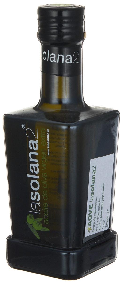 Lasolana2 Extra Virgin масло оливковое, 250 мл8437014616033Lasolana2 - нерафинированное оливковое масло холодного отжима лимитированного выпуска из сорта оливок пикуаль. Оно произведено фермером Кристобалем Санчес де Аран в высокогорной части провинции Алмерия. Самым большим преимуществом этого масла является очень ранний сбор оливок, когда они еще зеленые, поэтому масло имеет натуральный изумрудный цвет. Содержание масла в зеленых оливках очень низкое, поэтому масло очень дорогое. Зато в таком масле много полифенолов, оно имеет свежий аромат и очень низкую кислотность, а именно 0,1%, поэтому такое масло долго хранится и очень полезно для здоровья.