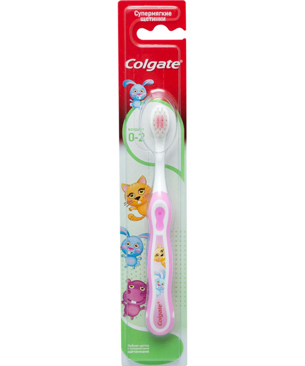 Colgate Зубная щетка детcкая Smiles, от 0 до 2 лет, супермягкаяFCN20584Детская зубная щетка Colgate Smiles идеально подходит для развития навыков гигиены полости рта, а благодаря яркому, привлекательному дизайну зубной щетки ежедневная чистка зубов станет удовольствием для вашего ребенка. Специально разработанная ручка удобно располагается в деткой ладошке.