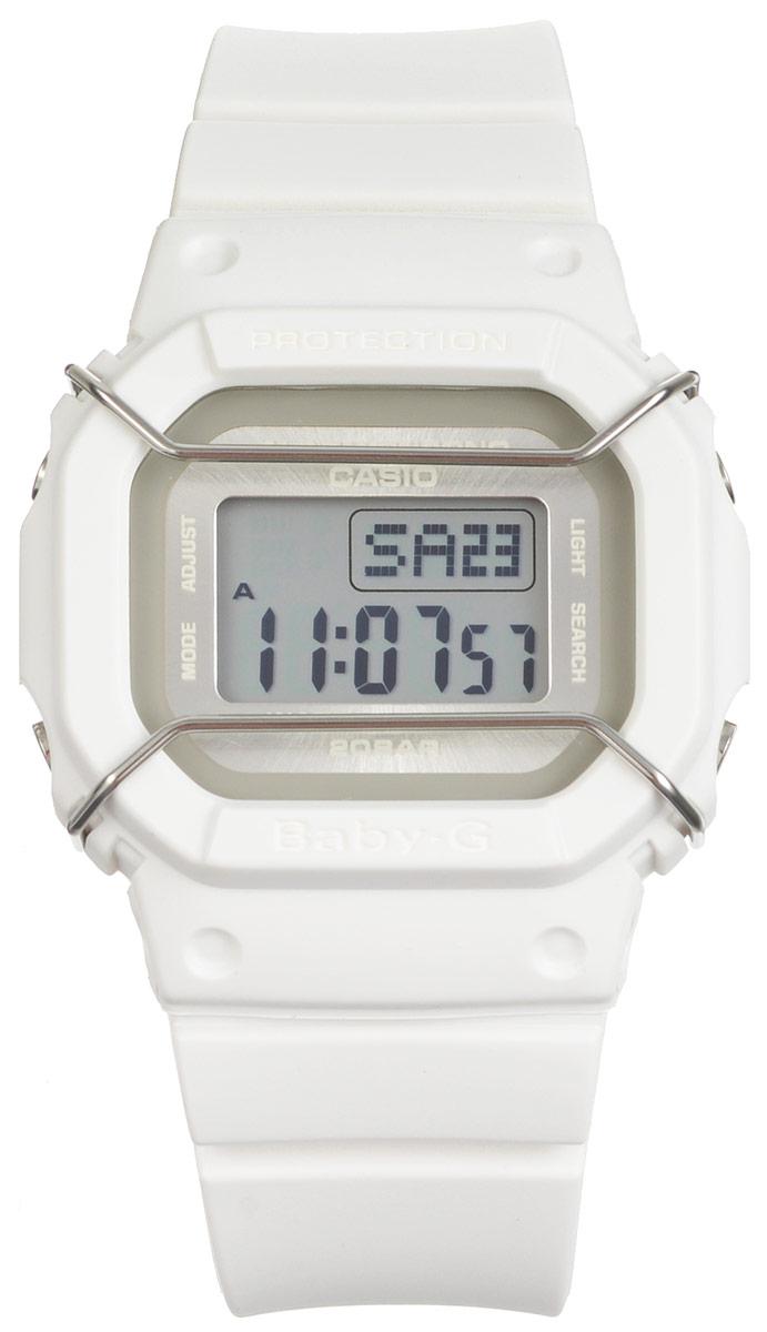 Часы наручные Casio Baby-G, цвет: белый. BGD-501UM-7EBGD-501UM-7EМногофункциональные часы Casio Baby-G, выполнены из минерального стекла и полимерного материала. Часы оформлены символикой бренда. Электронные часы оснащены имеют степень влагозащиты равную 20 BAR. Браслет часов оснащен застежкой-пряжкой, которая позволит с легкостью снимать и надевать изделие. Корпус часов оснащен электролюминесцентной подсветкой. Дополнительные функции: таймер, будильник, функция повтора будильника, секундомер, функция мирового времени, автоматический календарь. Часы поставляются в фирменной упаковке. Многофункциональные часы Casio Baby-G станут незаменимым аксессуаром.
