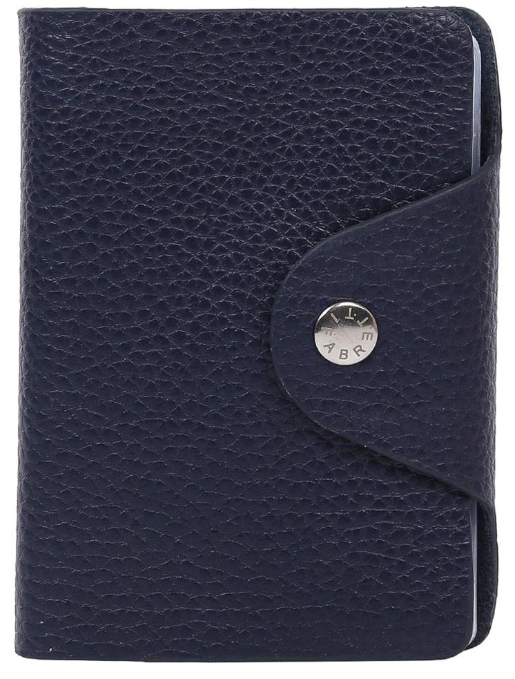 Визитница женская Fabretti 14111001-d.blue14111001-d.blueУдобная визитница от итальянского бренда Fabretti выполнена из натуральной кожи, которая имеет невероятно мягкую и приятную фактуру. Модель имеет 20 отделений для визитных и дисконтных карточек. Невероятно модный и актуальный темно-синий цвет в сочетании с фурнитурой выполненной в серебре превращают визитницу не просто в удобный, но и стильный аксессуар.
