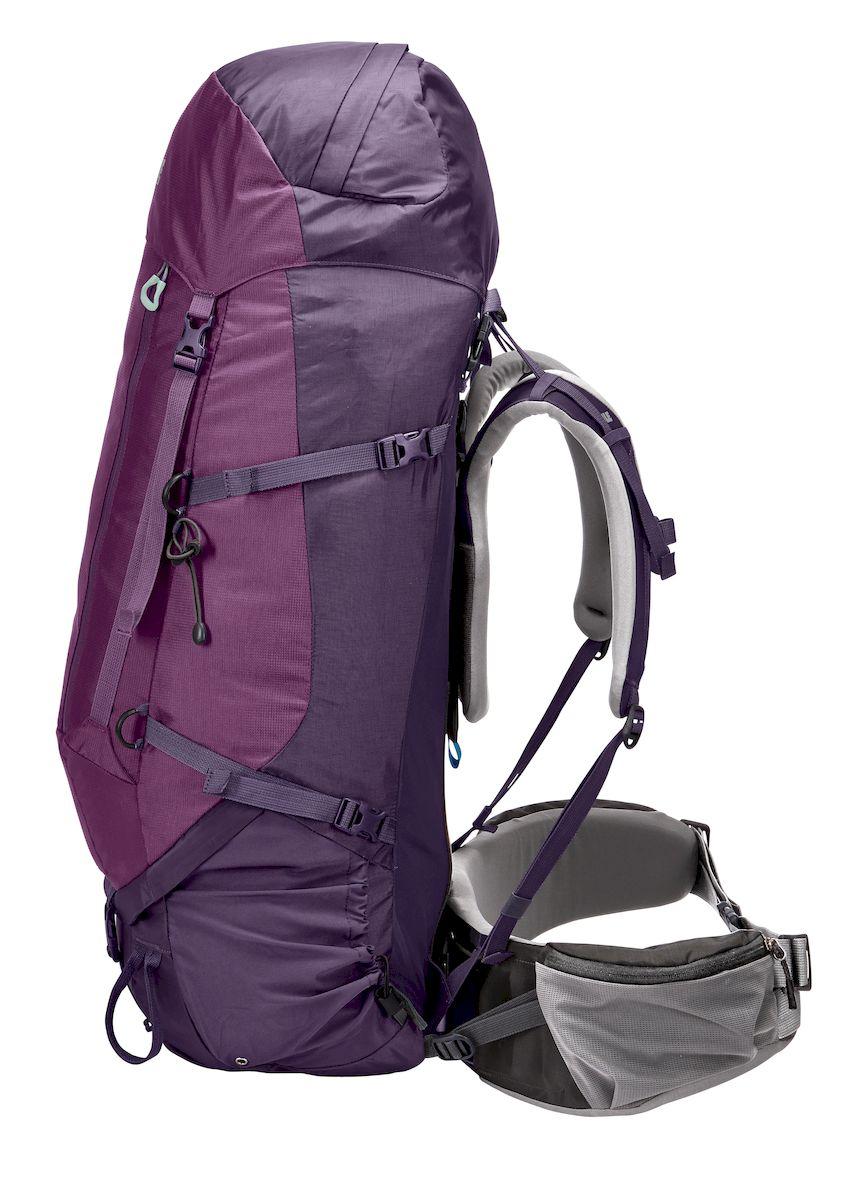 Рюкзак треккинговый женский Thule Guidepost, цвет: фиолетовый, 75 л206403Женский туристический рюкзак Thule Guidepost 75 л - Thule Guidepost 75 л идеально подходит для недельных походов. Рюкзак отличается настраиваемой системой крепления TransHub, обеспечивающей идеальную посадку, поворачивающимся набедренным ремнем, который позволяет рюкзаку повторять ваши движения, специальными наплечными и набедренными ремнями для женщин и крышкой, способной трансформироваться в дополнительный рюкзак, который поможет вам покорить любую вершину. Легкая регулировка ремней для торса на 15 см обеспечивает идеальную посадку, а наплечные ремни QuickFit позволяют выбрать из один из трех вариантов длины наплечных ремней Система крепления Transhub с алюминиевой опорой и проволочным каркасом из пружинной стали позволяют перенести вес рюкзака на бедра, обеспечивая более удобную переноску Поворачивающийся набедренный ремень позволяет рюкзаку повторять ваши движения, обеспечивая большую естественность передвижения и улучшенный баланс Съемная крышка...