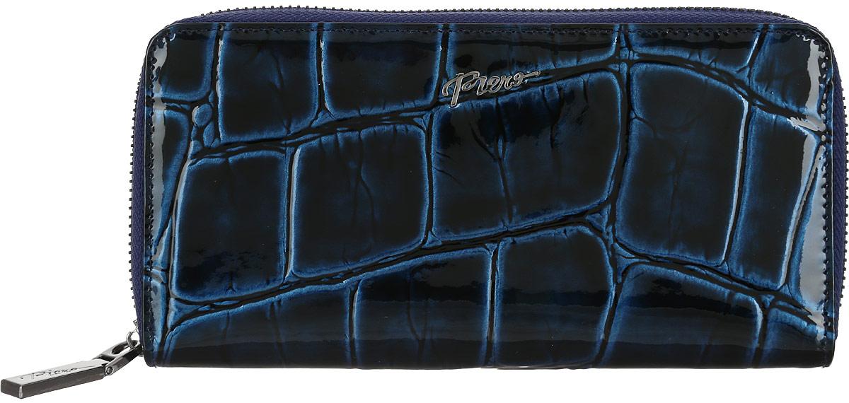 Портмоне женское Piero, цвет: синий. 42М1_90093_21_П_5142М1_90093_21_П_51Стильное женское портмоне Piero изготовлено из натуральной лакированной кожи с тиснением под рептилию. Внутри находятся четыре отделения для купюр, одно отделение на молнии для мелочи, один прозрачный карман для визиток, два боковых открытых кармана и восемь кармашков для визиток и карт. Портмоне закрывается на молнию. Портмоне упаковано в плотную коробку с логотипом фирмы. Такой функциональный аксессуар станет замечательным подарком человеку, ценящему качественные и практичные вещи.