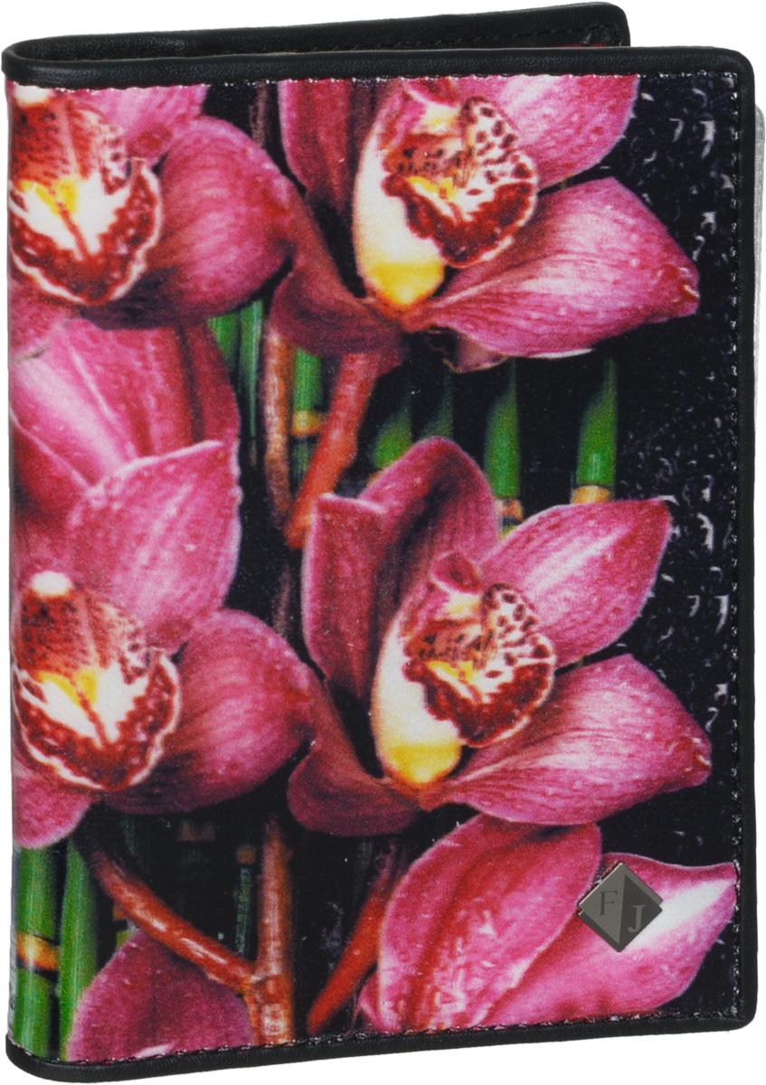 Обложка для паспорта и автодокументов женская Flioraj, цвет: черный, розовый. 136-Flower136-FlowerУдобная и практичная обложка для паспорта и автодокументов от Flioraj выполнена из натуральной кожи высокого качества. Она украшена стильным фотопринтом в виде красивых цветов с логотипом фирмы. Обложка содержит два прозрачных клапана для фиксации паспорта. Также внутри располагается съемный блок с файлами разного размера для автодокументов. Такая яркая и оригинальная обложка не только поможет сохранить внешний вид документов, но и станет стильным аксессуаром, идеально подходящим вашему образу. Обложка для паспорта и автодокументов может стать отличным подарком.
