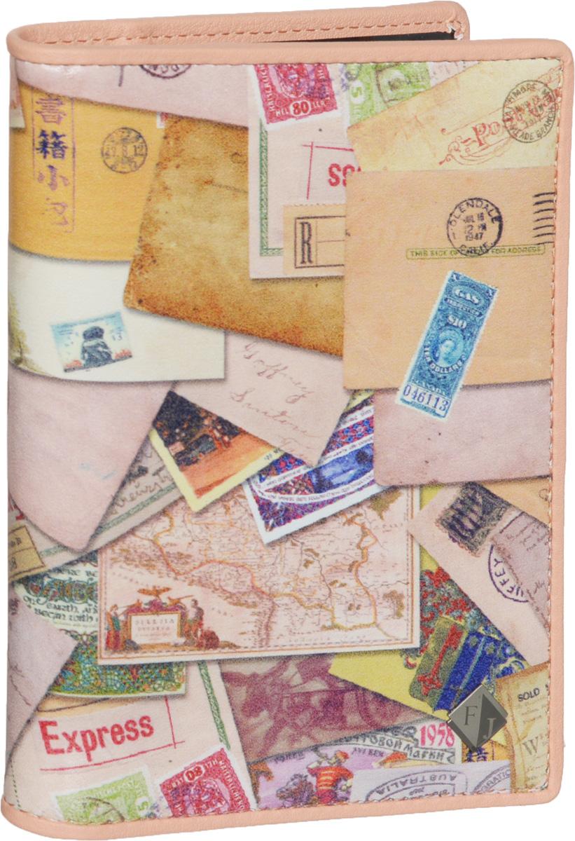 Обложка для автодокументов женская Flioraj, цвет: светло-розовый, бежевый. 136-Postcard136-PostcardСтильная и функциональная женская обложка для автодокументов Flioraj не только поможет сохранить внешний вид ваших документов, но и станет стильным аксессуаром, идеально подходящим вашему образу. Обложка выполнена из качественной натуральной кожи, оформлена оригинальным принтом и металлическим элементом с логотипом бренда. Подкладка выполнена из полиэстера. Изделие раскладывается пополам, содержит два боковых открытых кармана и съемный пластиковый блок с шестью файлами, позволяющий рационально разместить все необходимые документы, в том числе страховку. Изделие поставляется в фирменной упаковке, дополнительно прилагается текстильный чехол для хранения изделия. Оригинальная обложка для автодокументов станет отличным подарком для человека, ценящего качественные и практичные вещи.