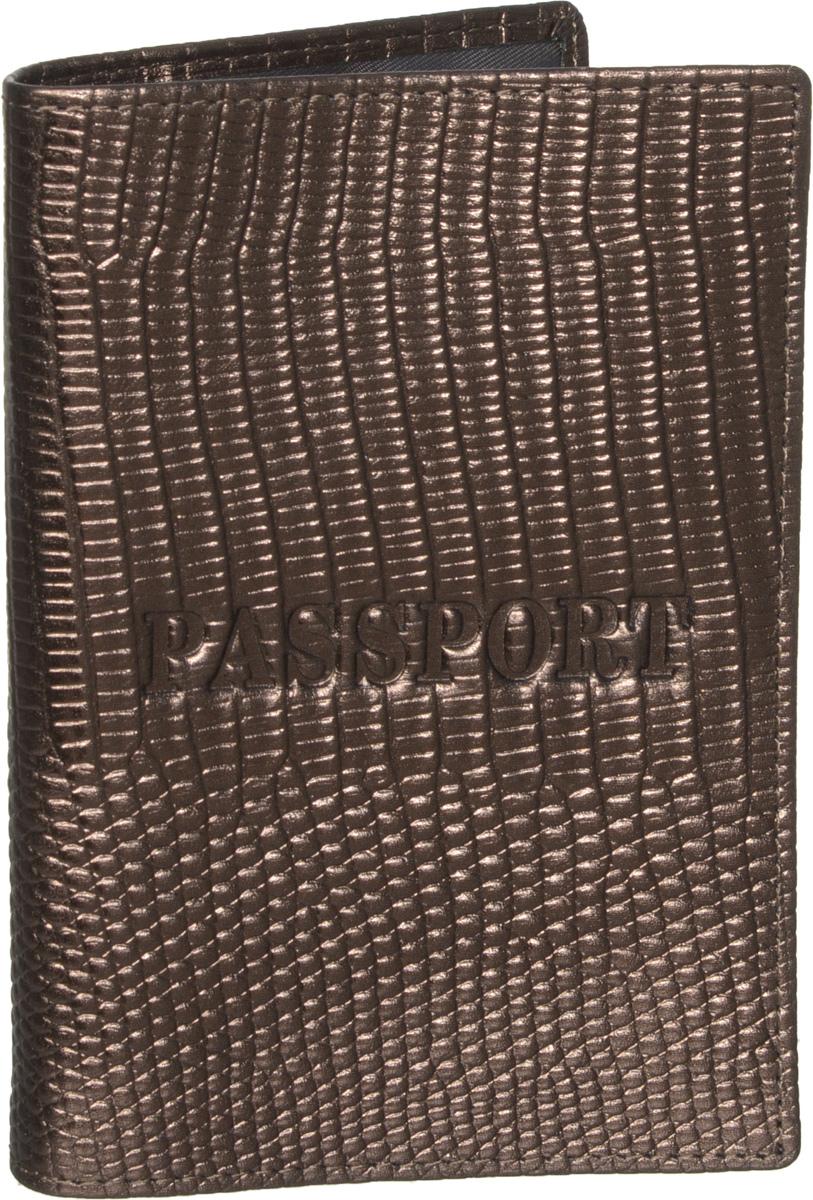 Обложка для паспорта Piero, цвет: коричневый. 42М6_90100_60_П_742М6_90100_60_П_7Обложка для паспорта Piero выполнена из натуральной кожи под рептилию, оформлена тиснением Passport на лицевой стороне и тиснением логотипа бренда на задней стенке. Изделие дополнено тканевой подкладкой. На внутреннем развороте расположены два вертикальных кармана из прозрачного пластика. Стильная и функциональная обложка для паспорта не только поможет сохранить внешний вид ваших документов, но и станет стильным аксессуаром, идеально подходящим вашему образу. Изделие упаковано в фирменную коробку с названием бренда.