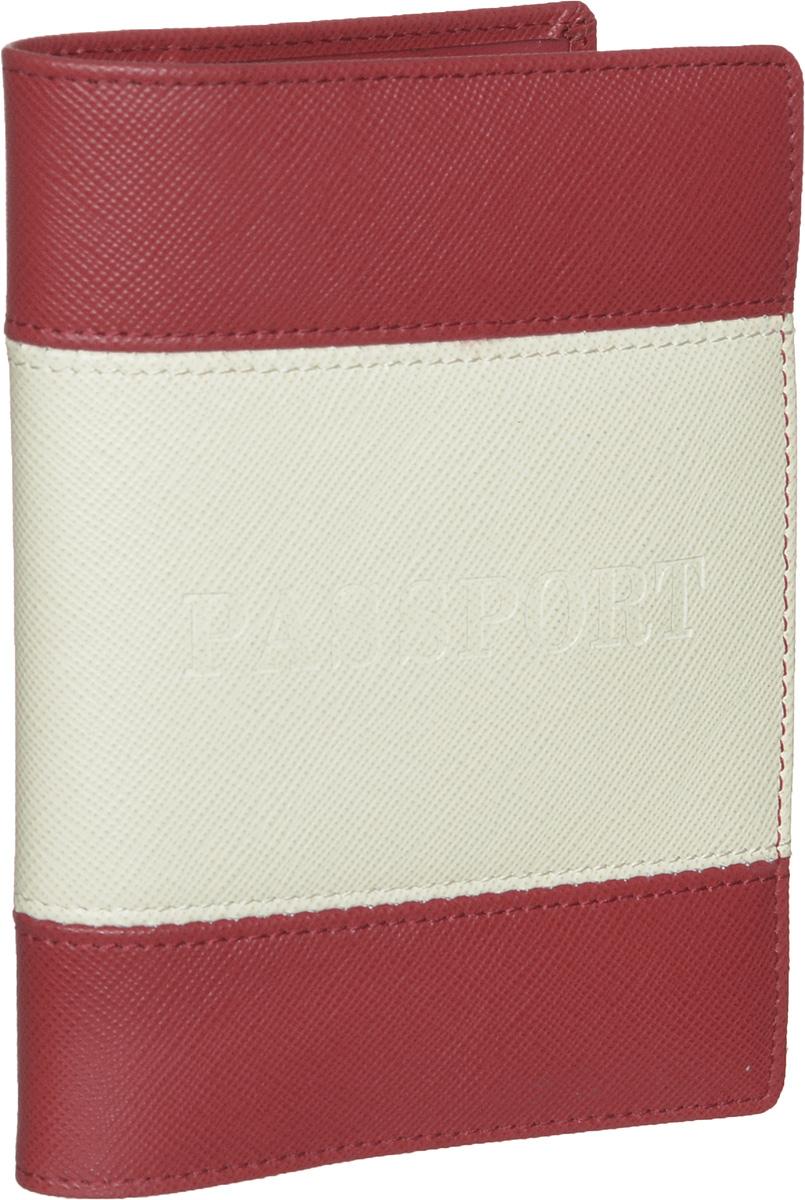 Обложка для паспорта женская Piero, цвет: красный, молочный. 42М6_90039_50_1402П_2242М6_90039_50_1402П_22Стильная и элегантная обложка для паспорта Piero выполнена из натуральной кожи комбинированных цветов. Лицевая сторона декорирована тиснением Passport. Внутри расположены два прозрачных клапана, с помощью которых документ надежно зафиксируется. Обложка не только сохранит внешний вид документов, но и станет стильным аксессуаром, который подчеркнет ваш образ. Изделие упаковано в фирменную коробку с логотипом бренда. Такой функциональный аксессуар станет замечательным подарком человеку, ценящему качественные и модные вещи.