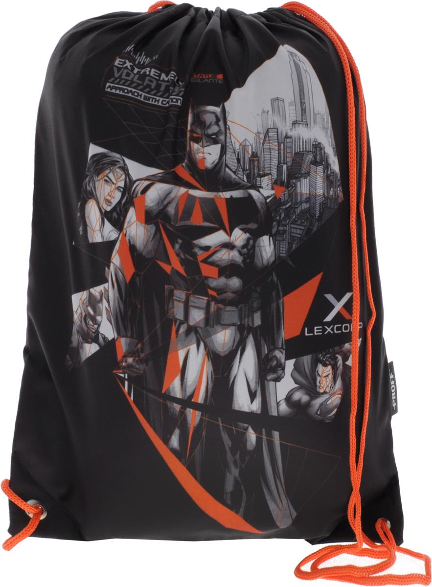 Proff Сумка для сменной обуви Бэтмен против СуперменаVS16-SB-001Сумку Proff Бэтмен против Супермена удобно использовать как для хранения, так и для переноски сменной обуви. Яркая сумка выполнена из высококачественного прочного полиэстера и оформлена изображением героев фильма Бэтмен против Супермена. Сумка затягивается сверху при помощи текстильных шнурков. Шнурки фиксируются в нижней части сумки, благодаря чему ее можно носить за спиной как рюкзак.