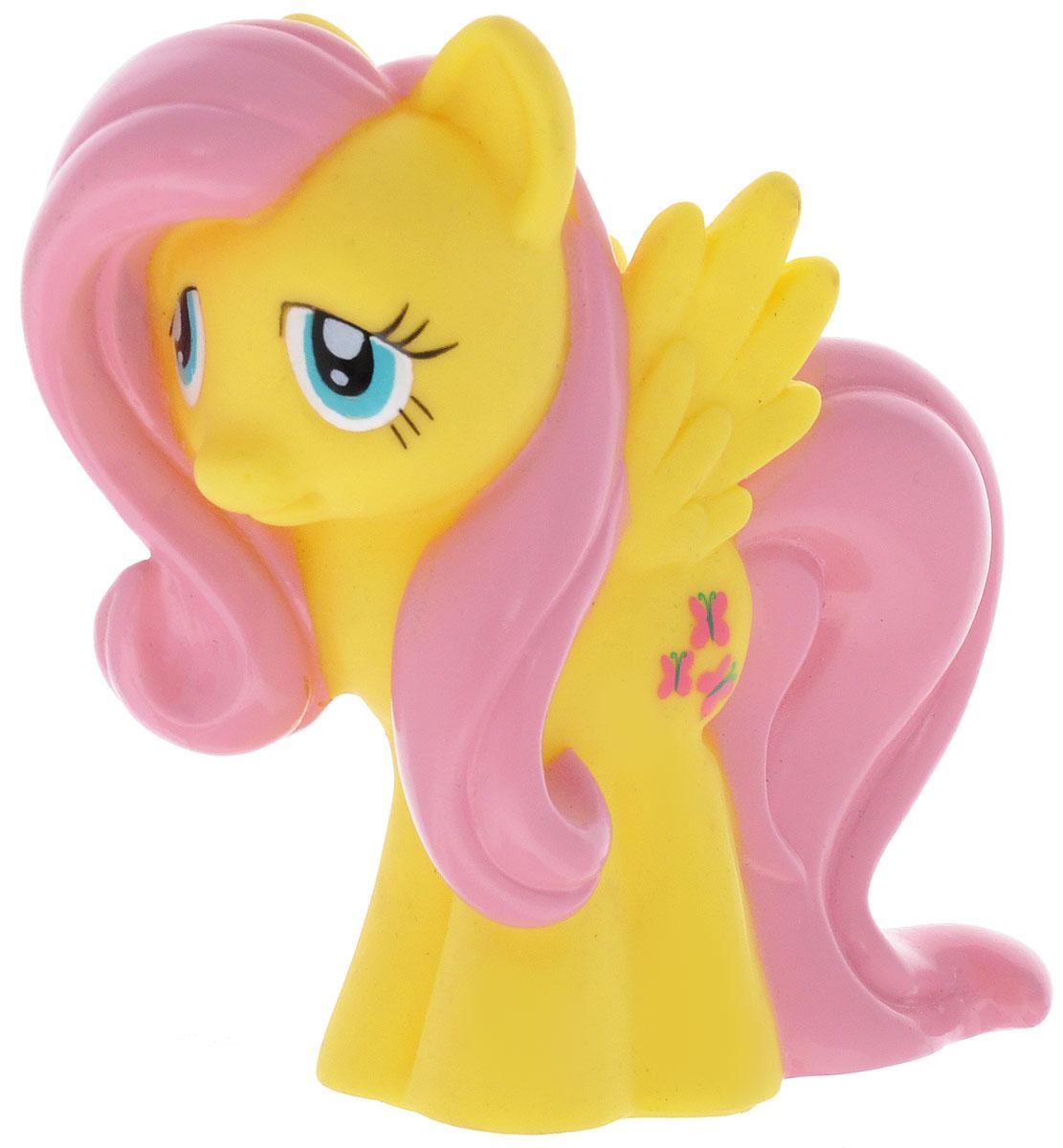 Играем вместе Игрушка для ванной My Little Pony Флаттершай47RUS_желтый, розовыйИгрушка для ванной Играем вместе My Little Pony. Флаттершай способна занять малыша на все время купания. Она изготовлена из высококачественных и безопасных материалов. Игрушка выполнена в виде пони Флаттершай. Игрушка несомненно принесет вашему малышу море позитива, а обычное купание превратит в веселую игру. Игрушка пищит и брызгается водой. С такой игрушкой ребенок может развивать мелкую моторику рук, концентрацию внимания и воображение. Порадуйте свою кроху такой необычной игрушкой!